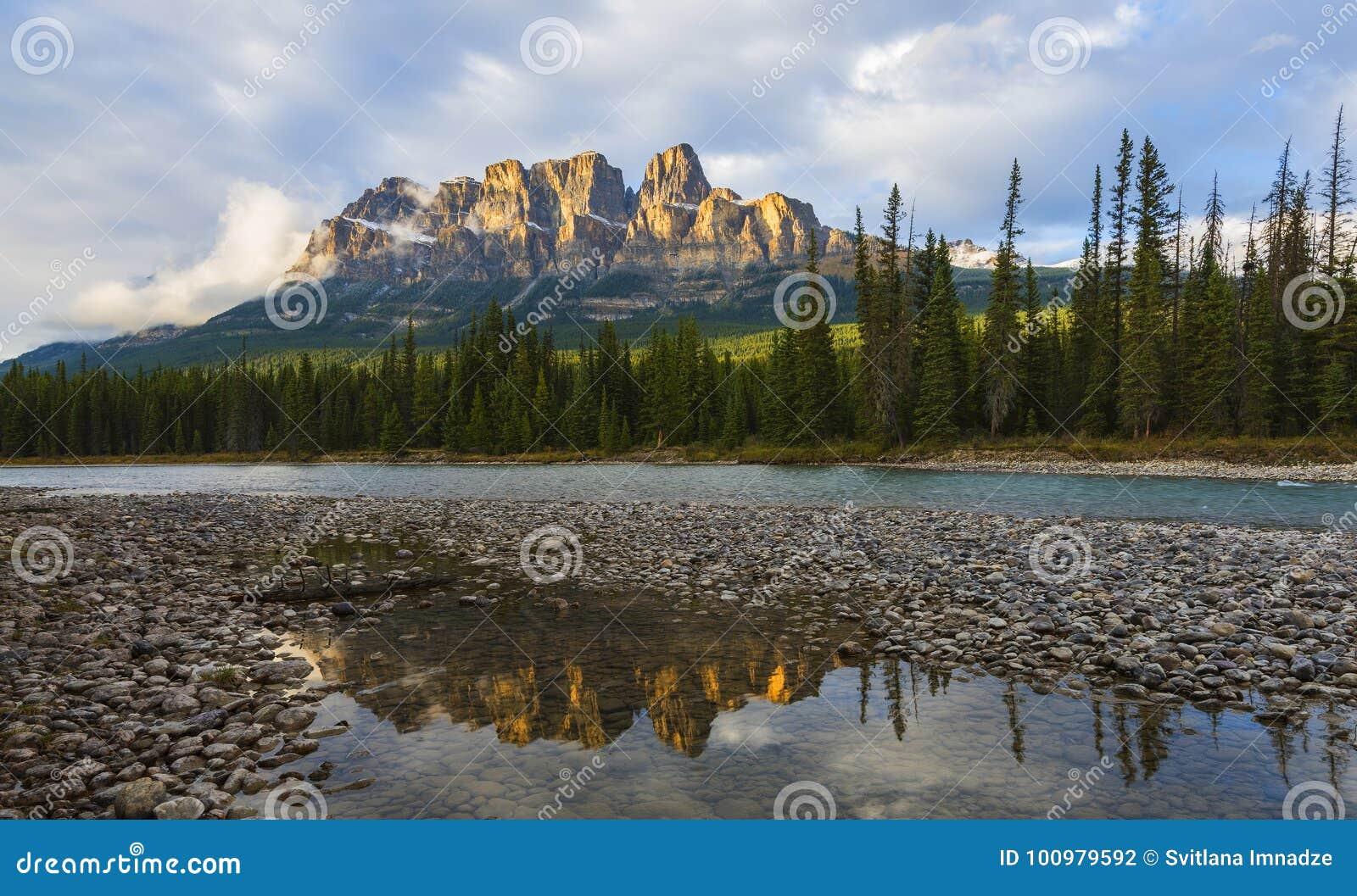 Grodowa góra, Alberta, Kanada