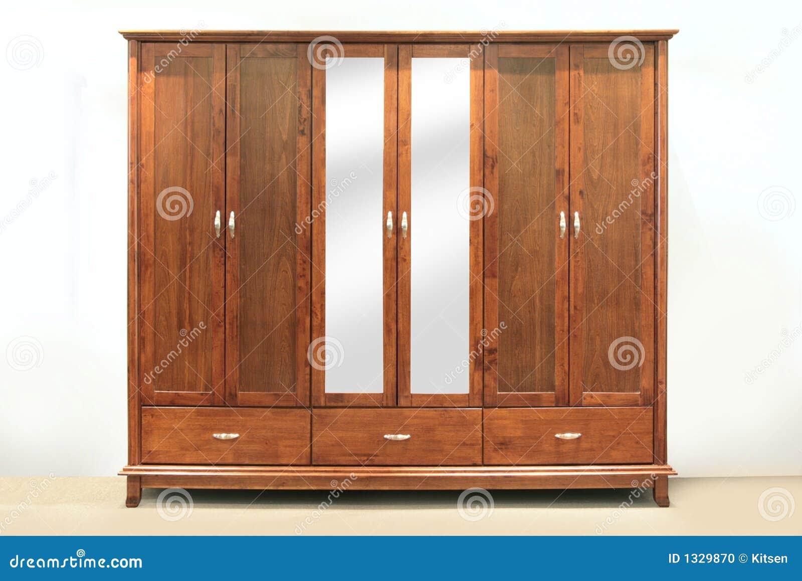 gro e garderobe stockfoto bild 1329870. Black Bedroom Furniture Sets. Home Design Ideas