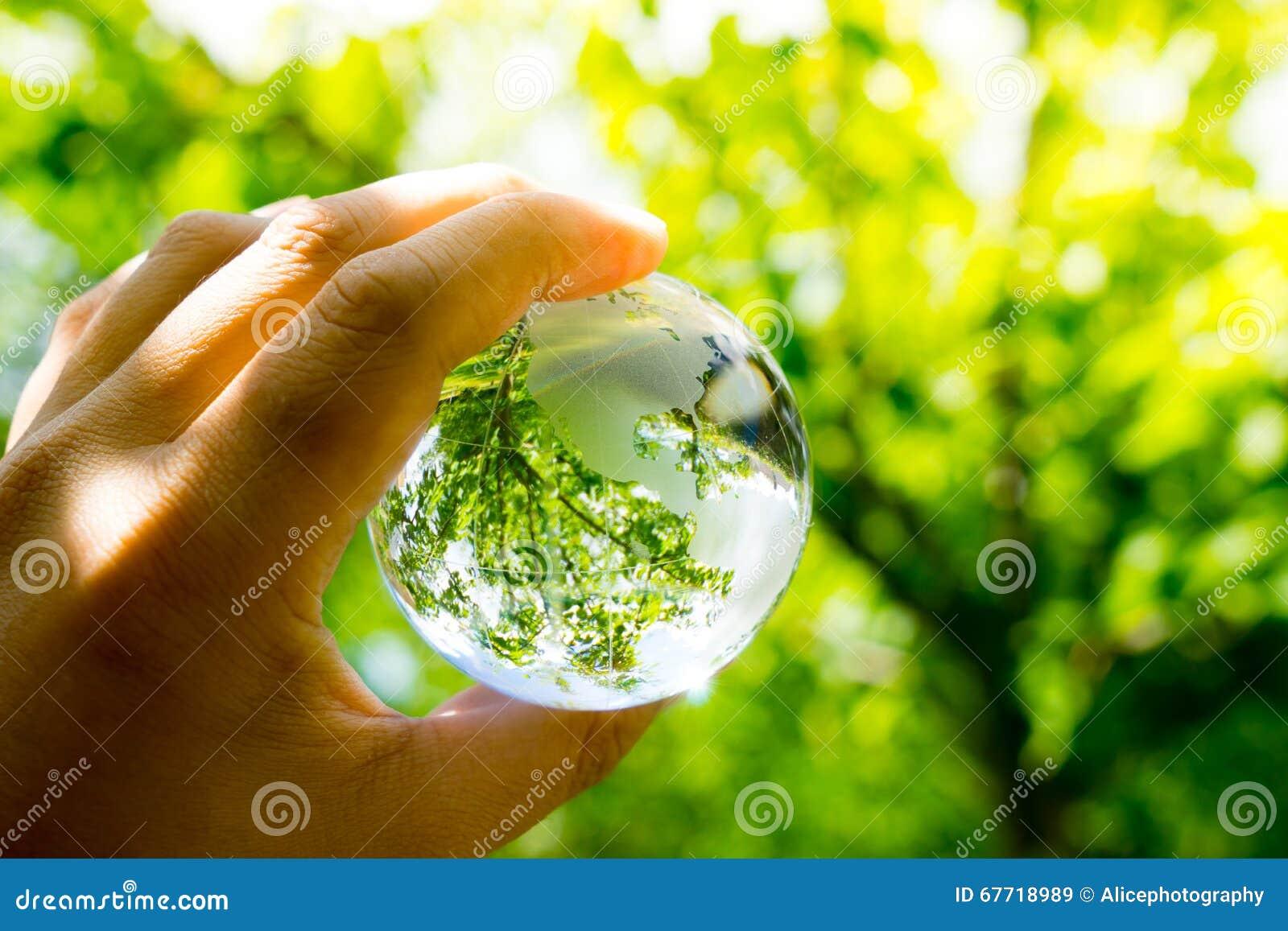 Groen & Eco-milieu, glasbol in de tuin
