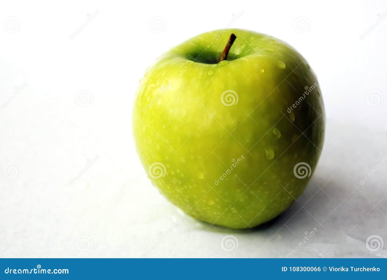 Groene appel Nuttig fruit Vitaminen bron van ijzer Een fruit voor een dieet Low-calorie product Vegetarisch voedsel Dieet