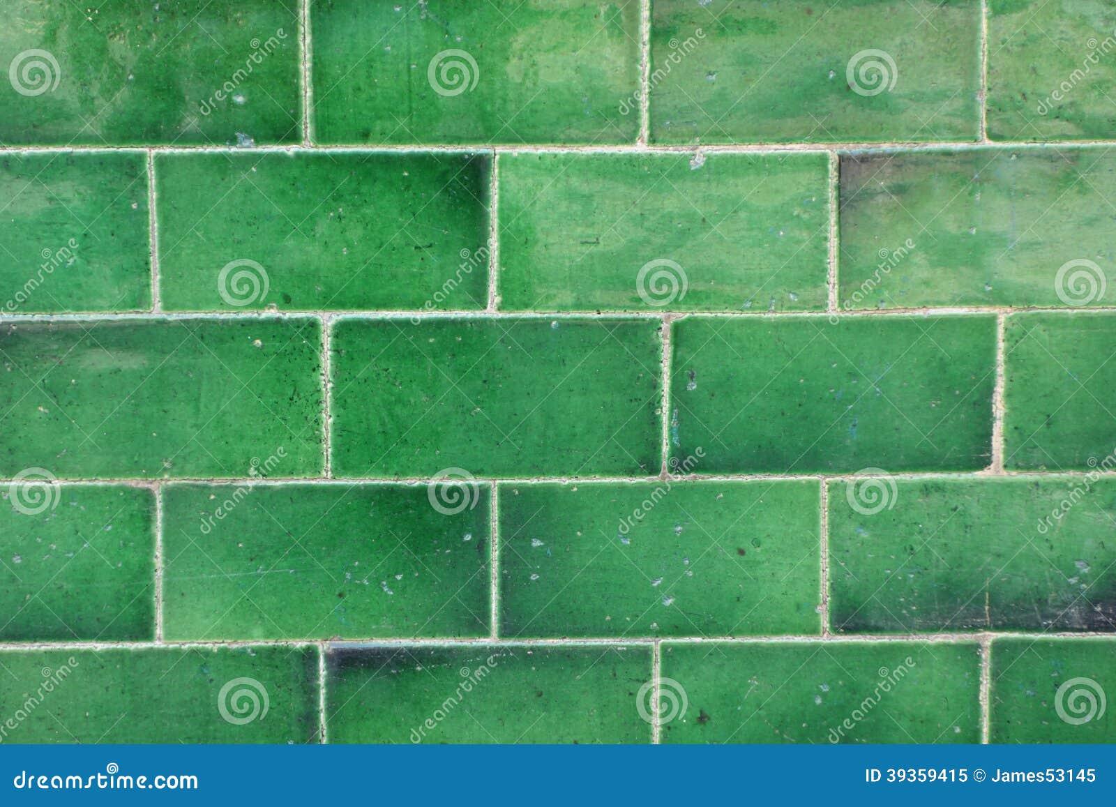 Groene Betegelde Muur Stock Foto - Afbeelding: 39359415