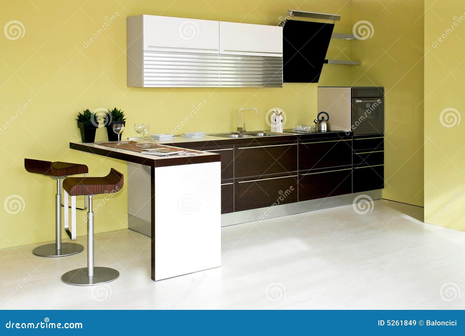 Groene Keuken Royalty-vrije Stock Afbeeldingen - Afbeelding: 5261849
