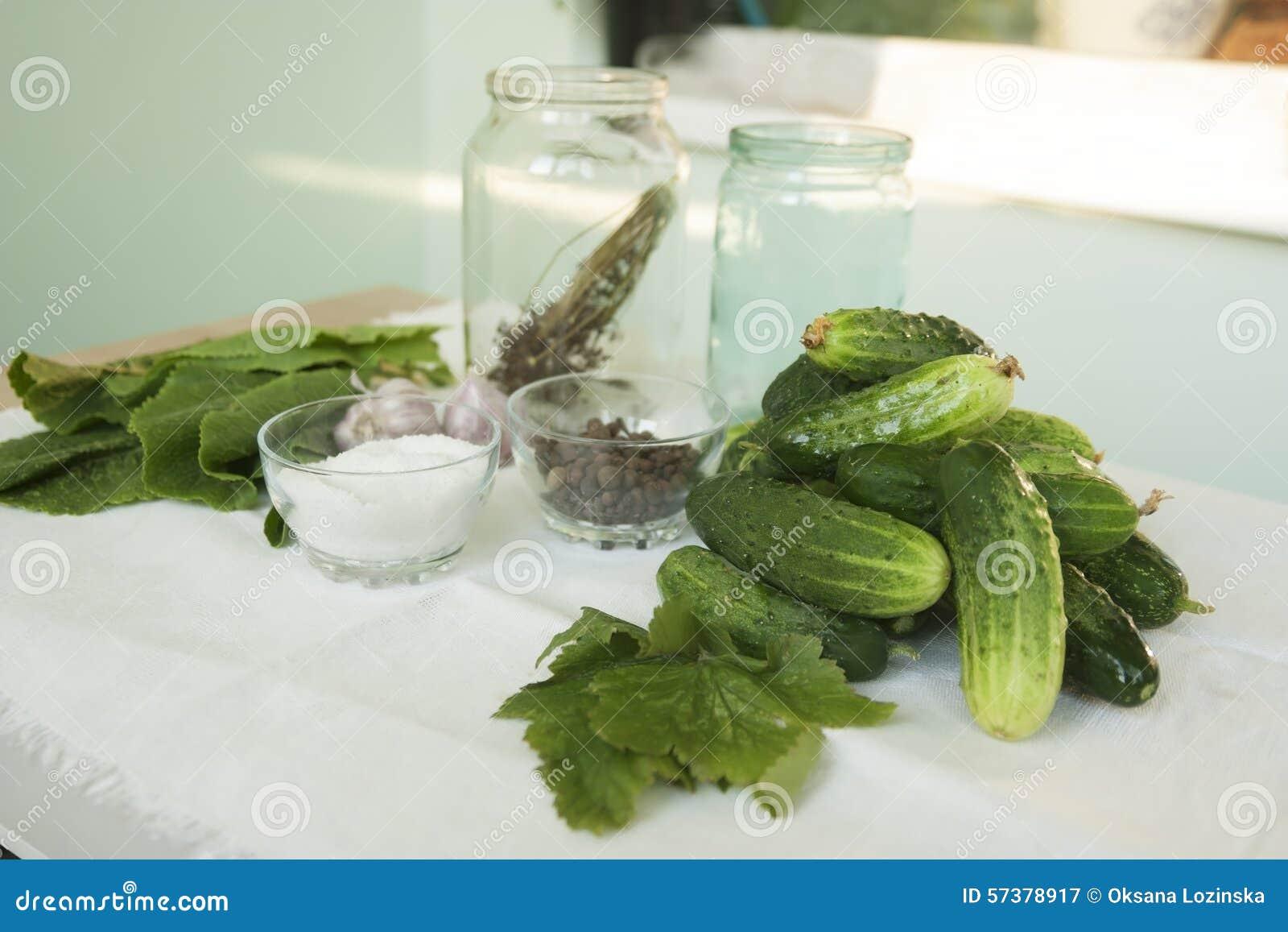 Groene komkommers