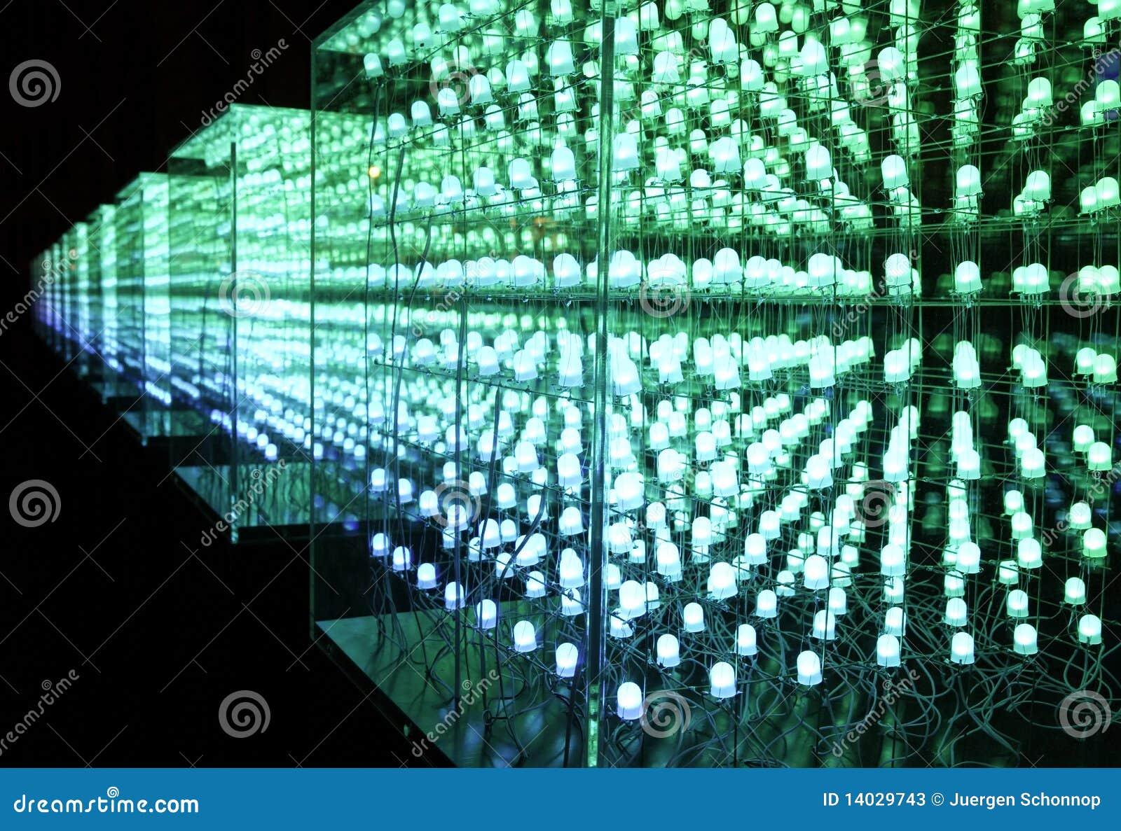 Groene leiden in een kubus