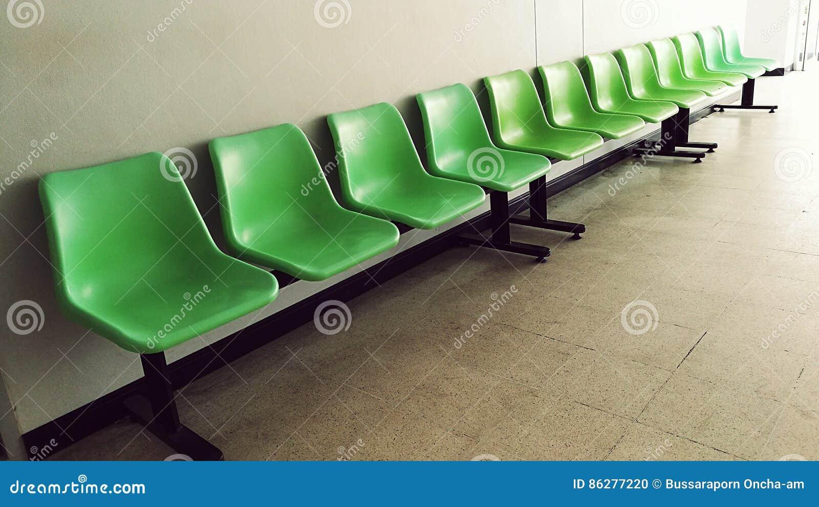 Groene stoel stock foto afbeelding bestaande uit stoel for Groene stoel
