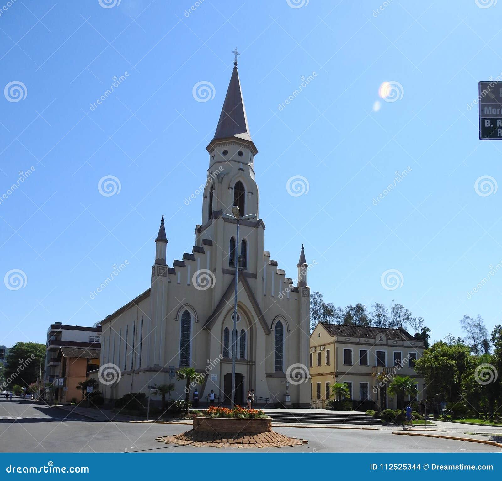 Groene verzadigde kerk