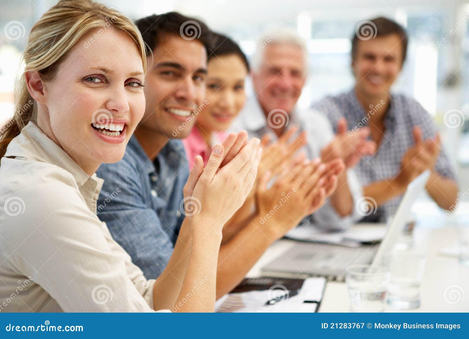 Groep in commerciële vergadering