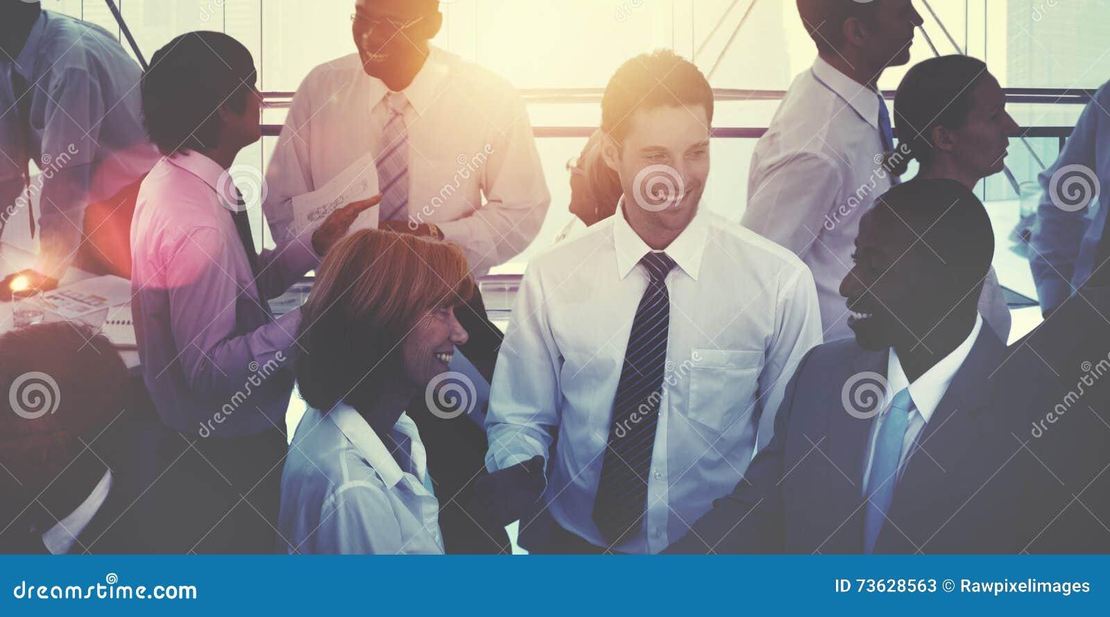 Groep Multi-etnisch Divers Bezig Bedrijfsmensenconcept