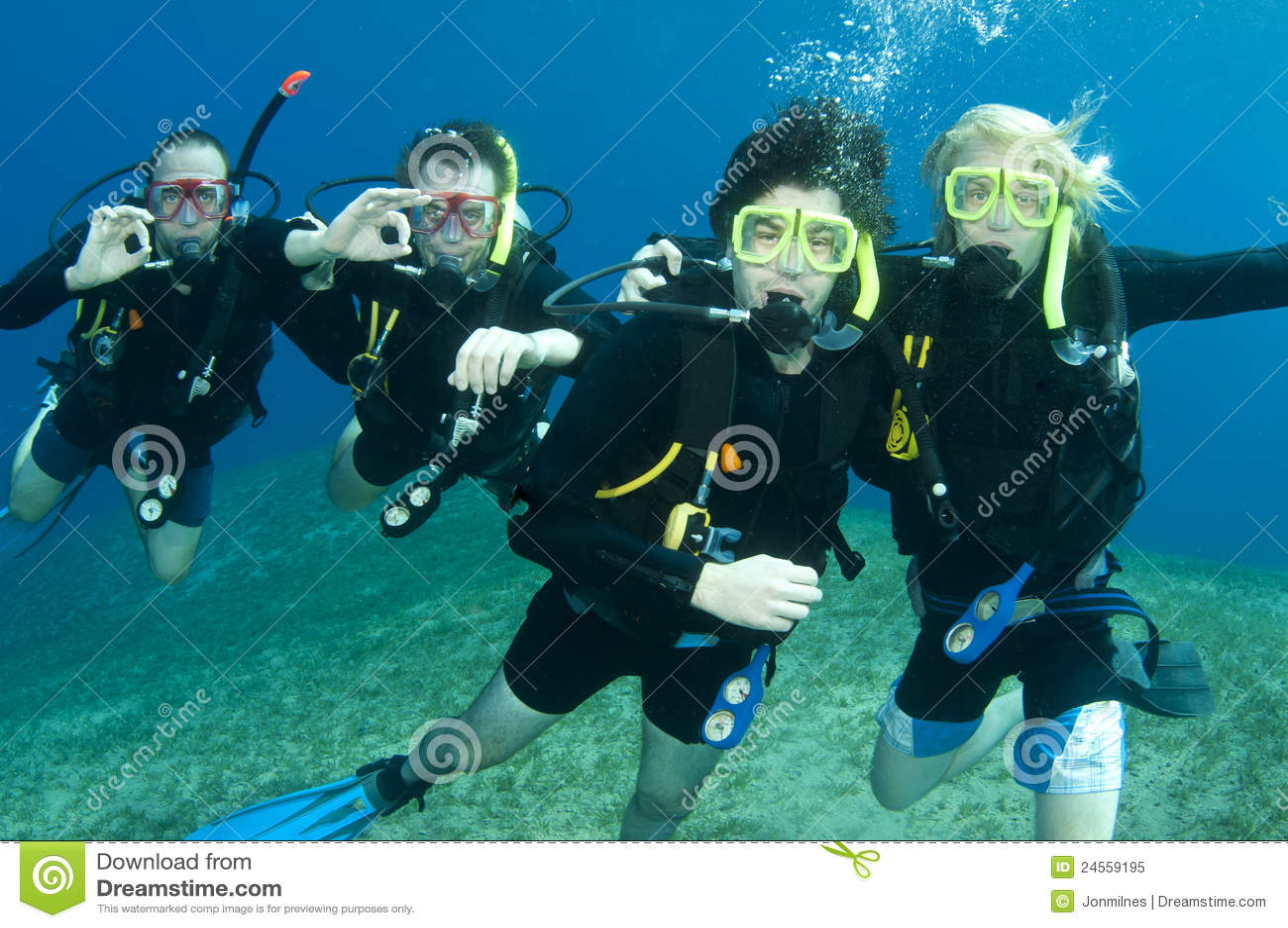 Groep scuba-duikers