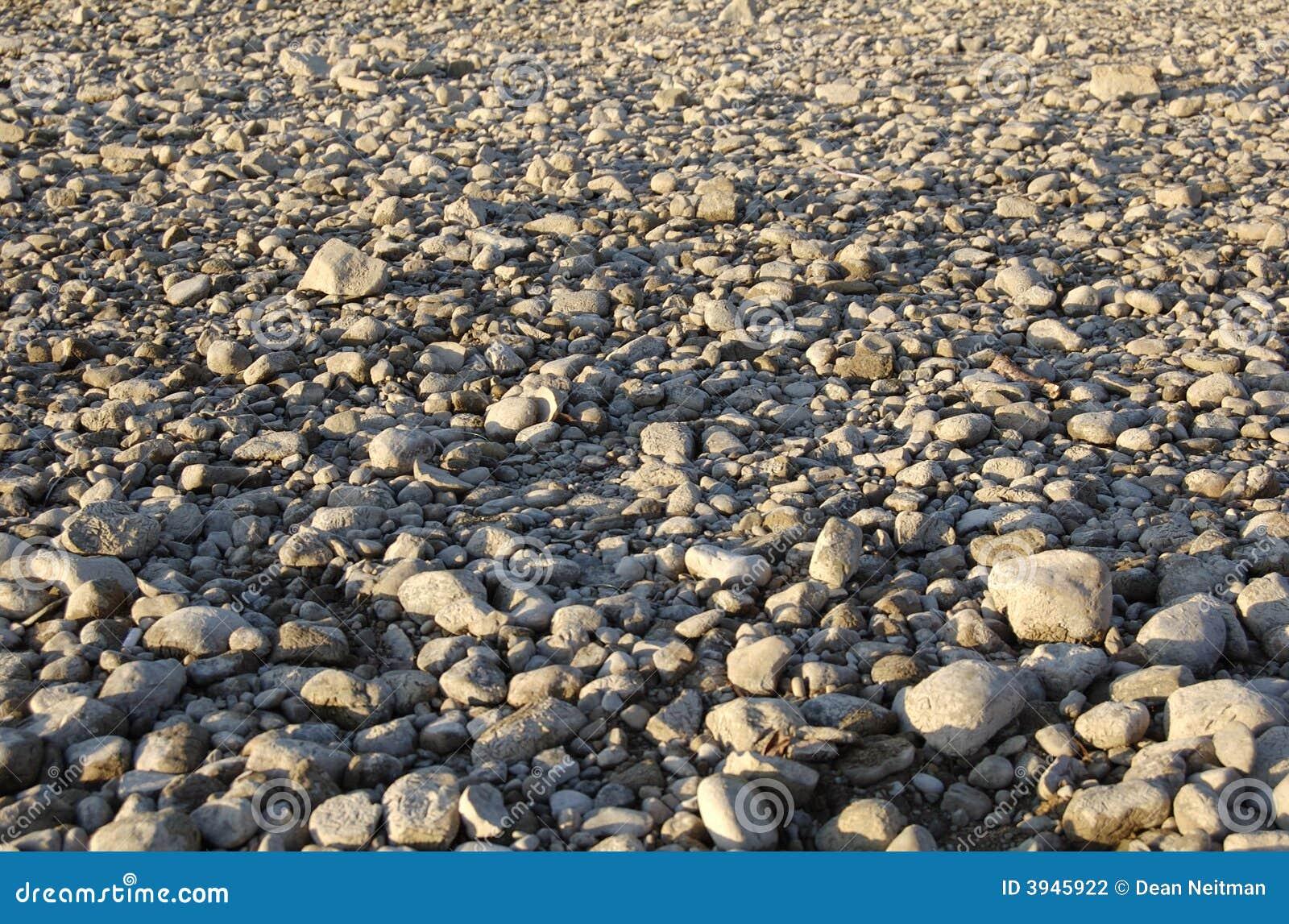 grond met rotsachtige kiezelstenen stock fotografie afbeelding 3945922