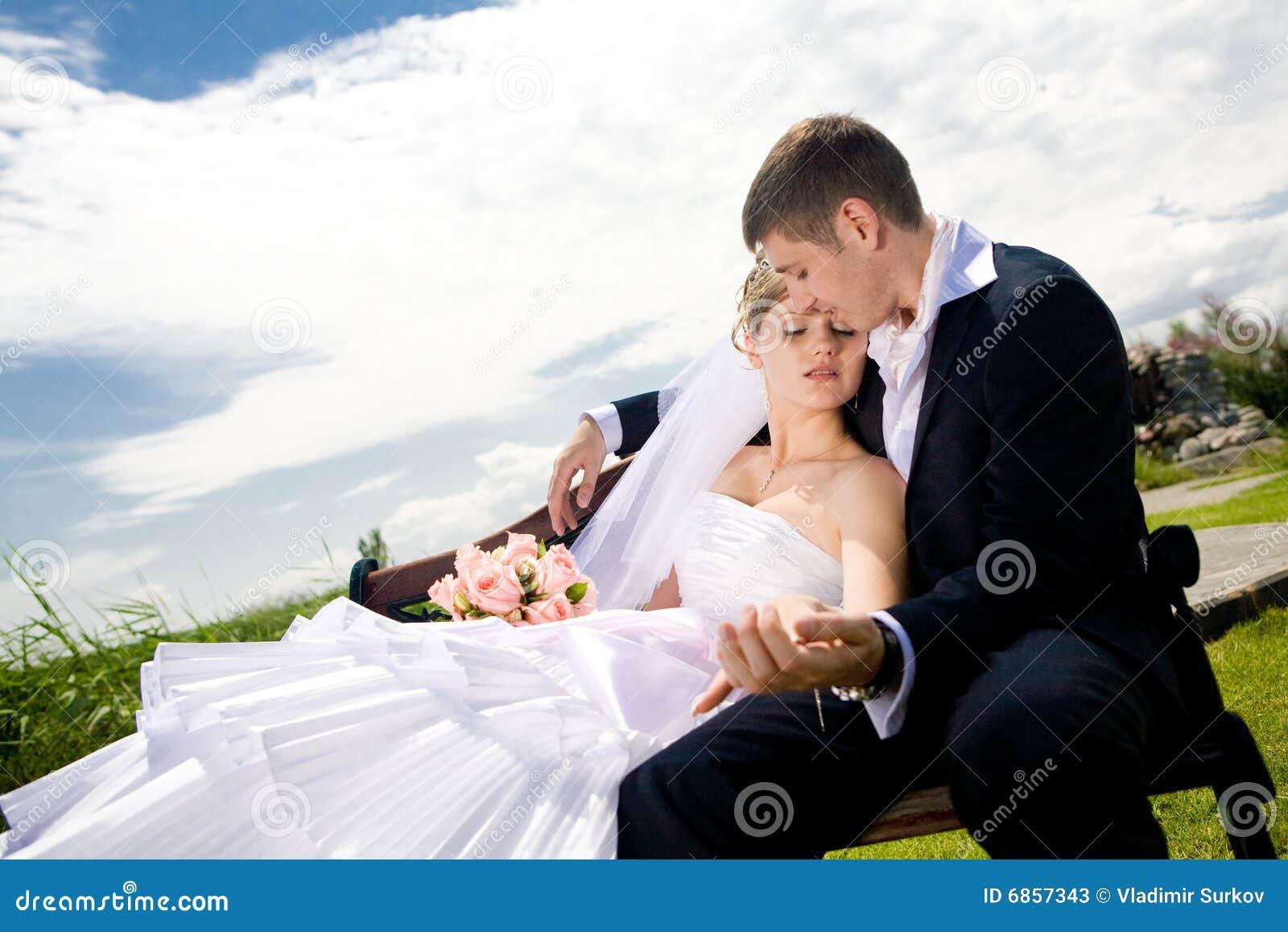 Groom невесты стенда
