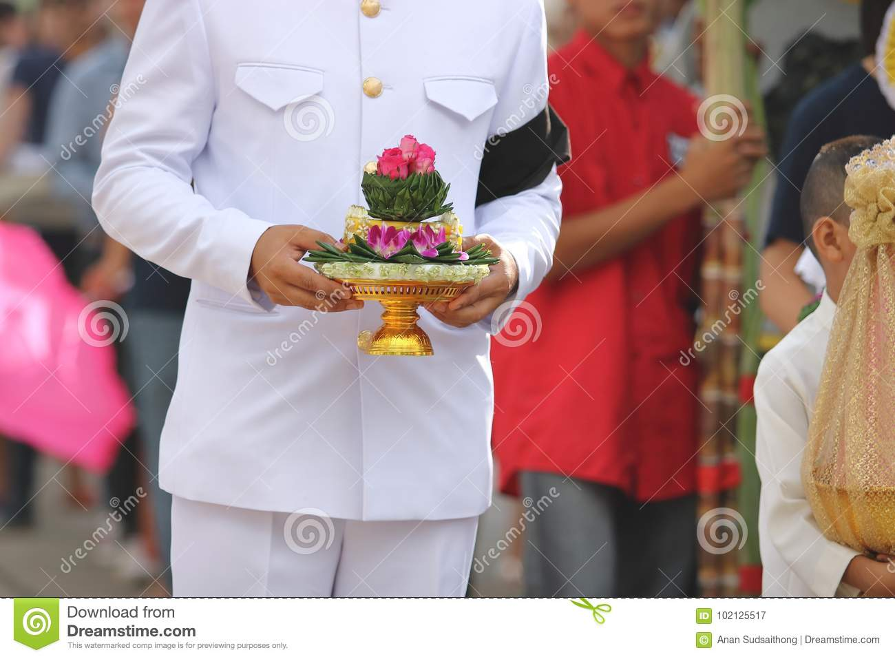 Traditional Wedding Gifts From Groom To Bride: Groom Holding Tray Of Gifts Or Khan Makk In Thai