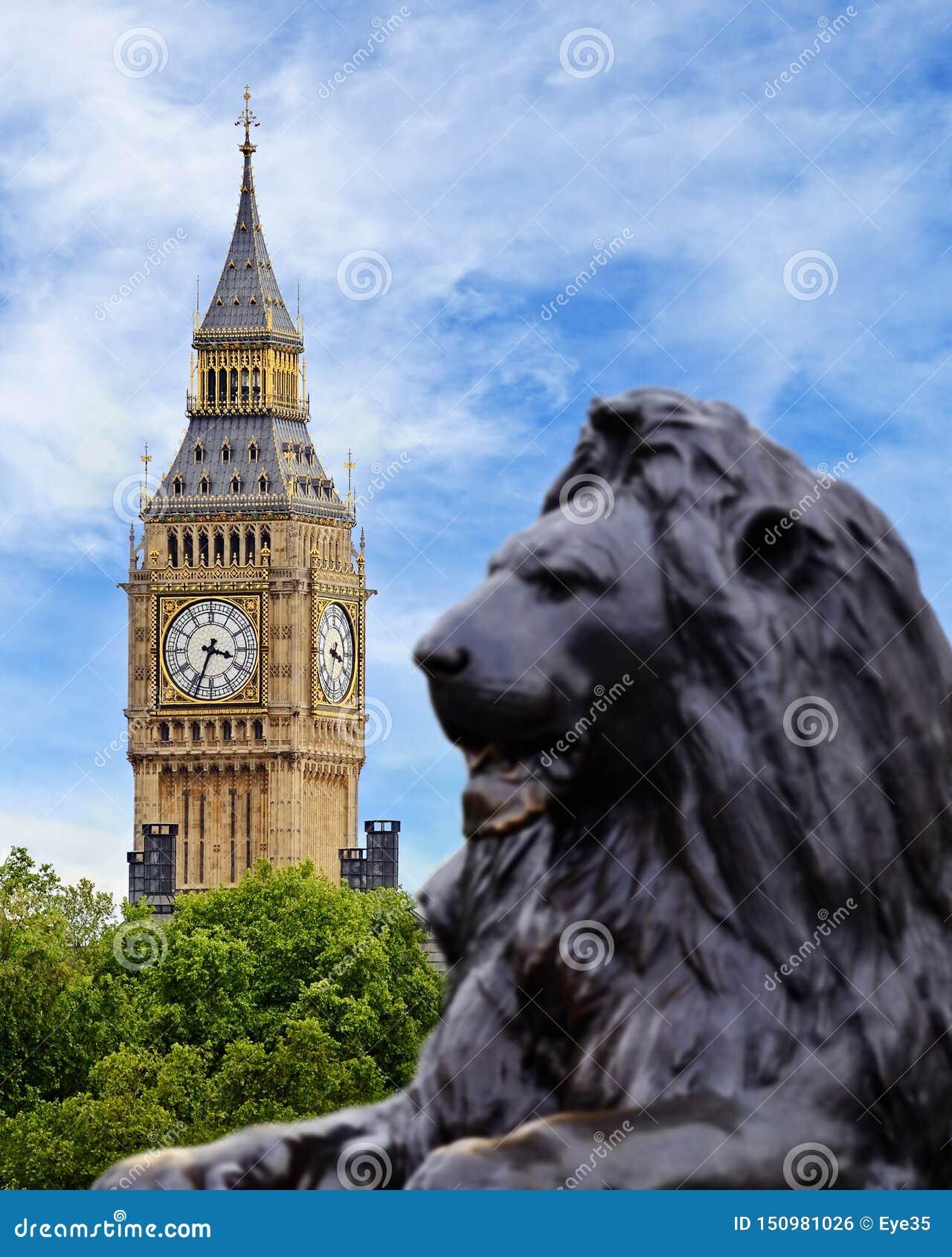 Groot Ben Viewed van Trafalgar Square, Londen