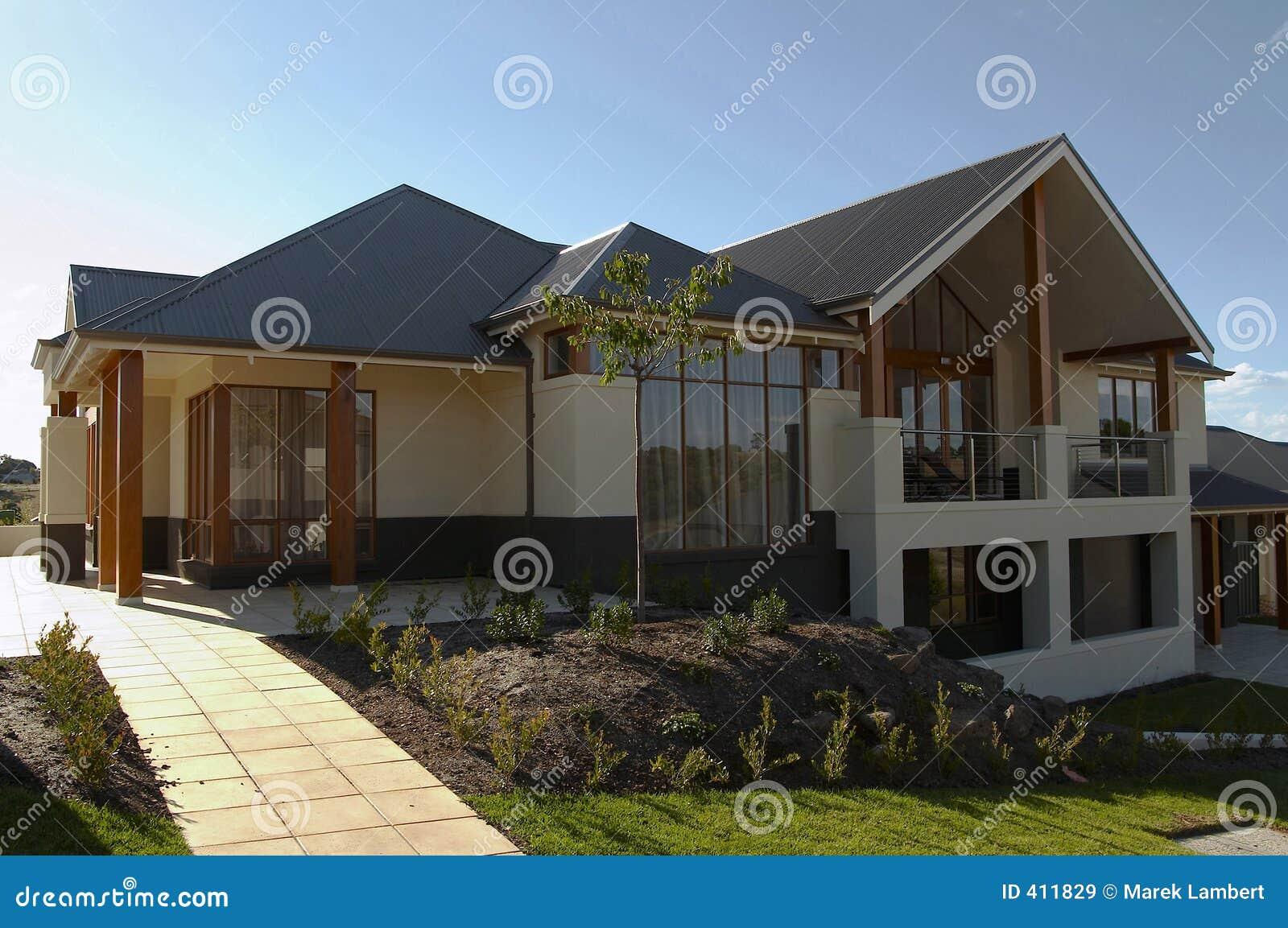 Groot eigentijds huis royalty vrije stock afbeeldingen afbeelding 411829 - Eigentijds huis nantes ...