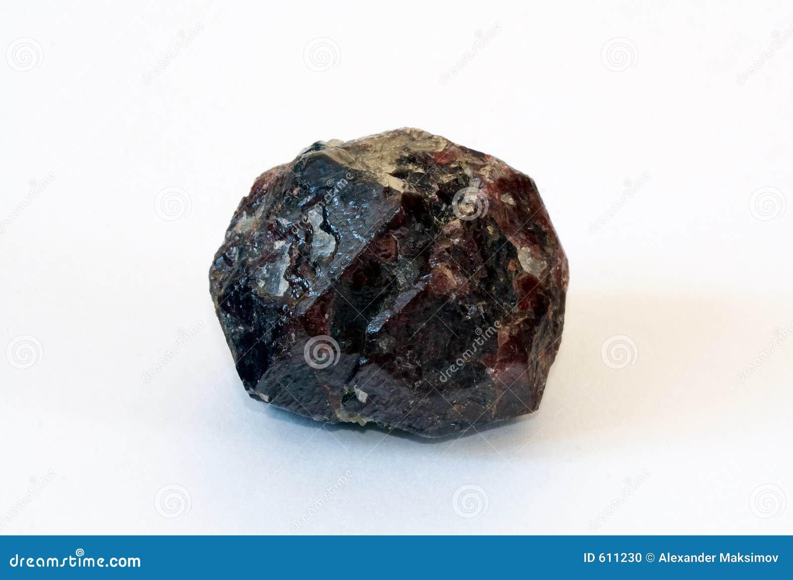 Groot kristal van granaat-almandine