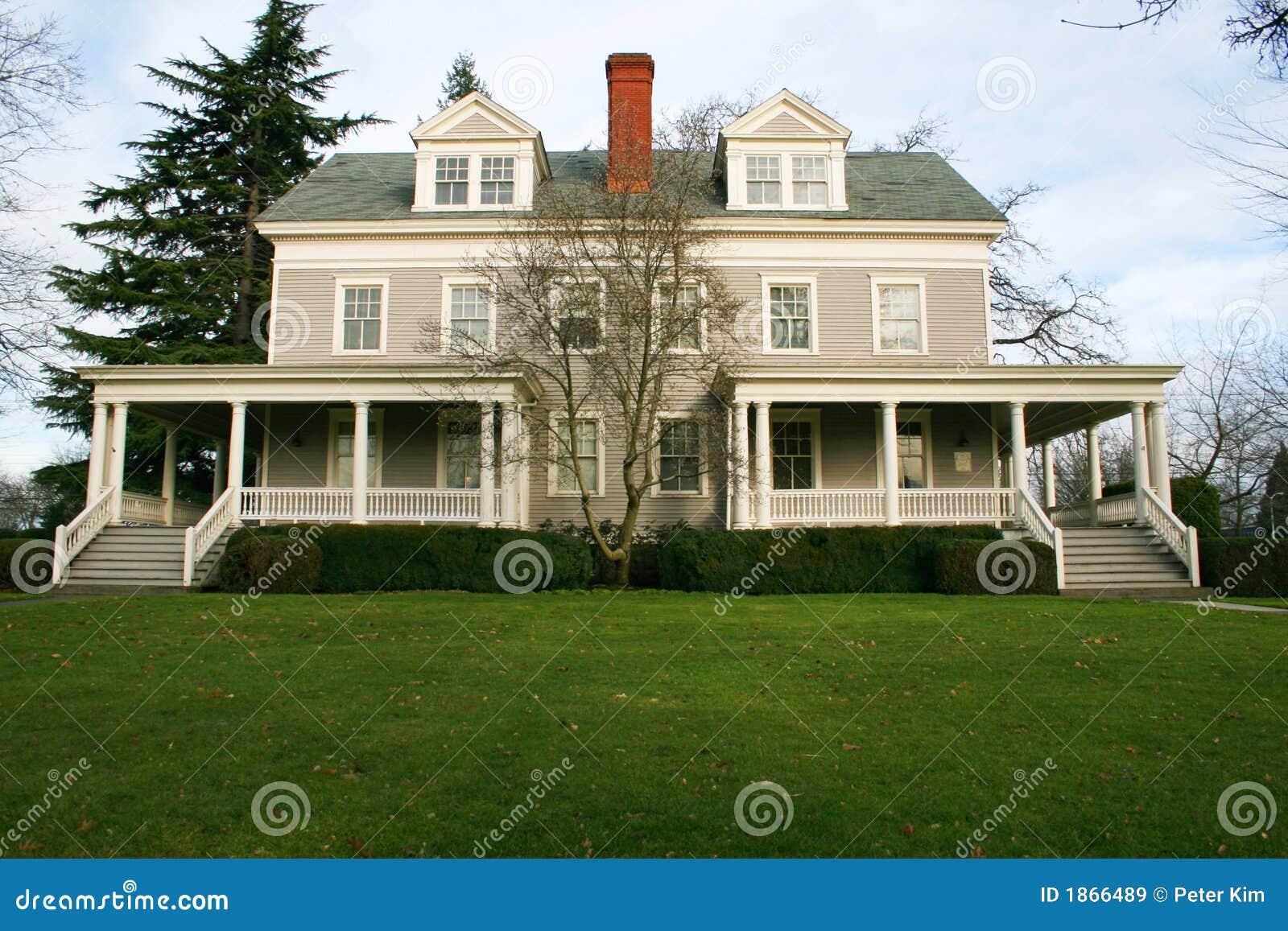 Groot oud huis royalty vrije stock afbeeldingen afbeelding 1866489 - Huis verlenging oud huis ...