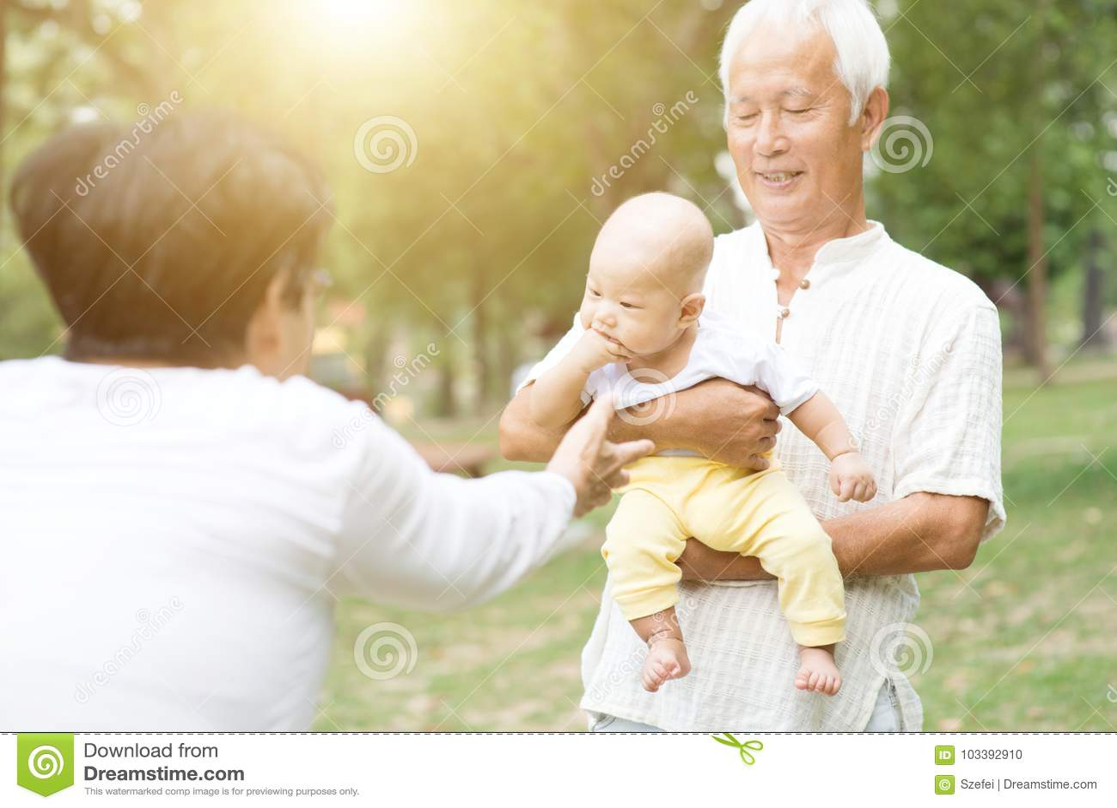 Grootouders en kleinkind