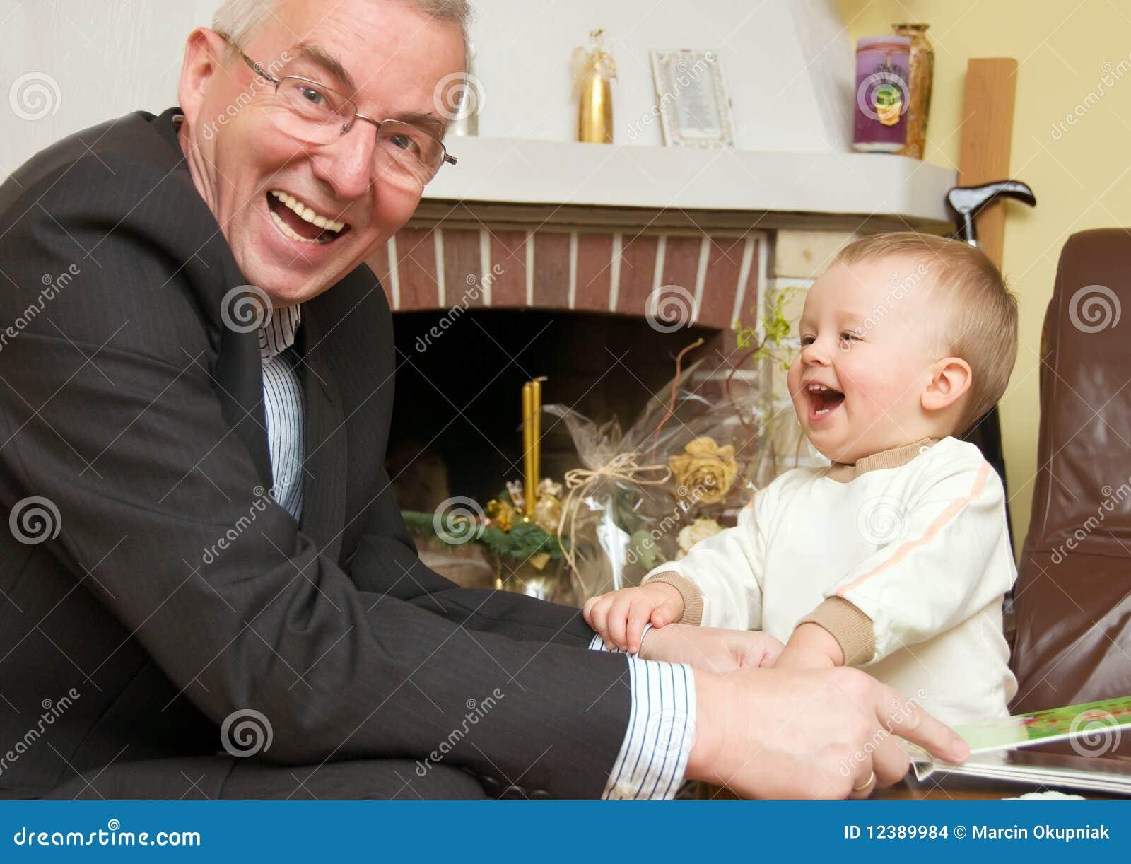 Grootvader met kleinzoon