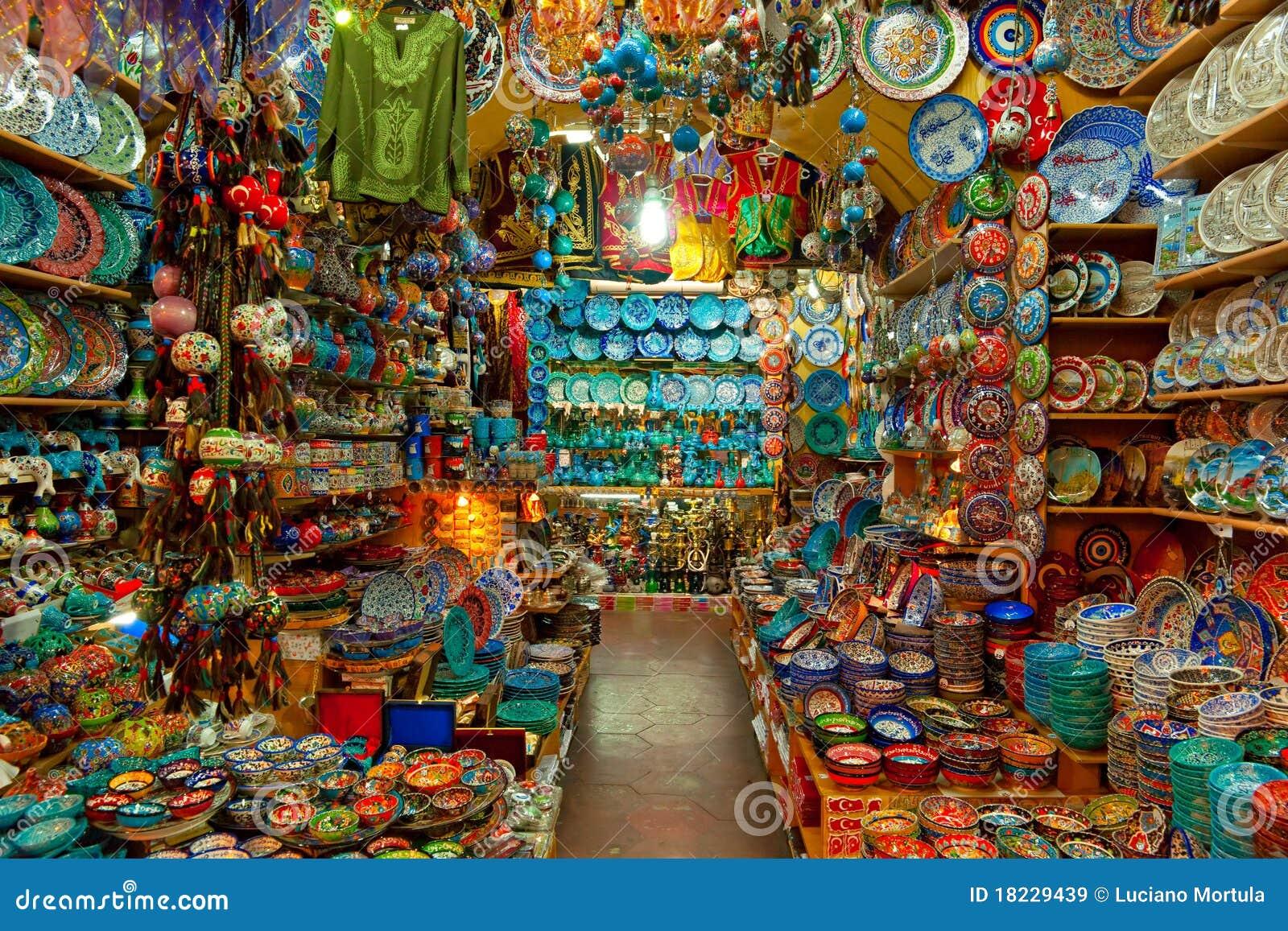 Grote bazaarwinkels in Istanboel.