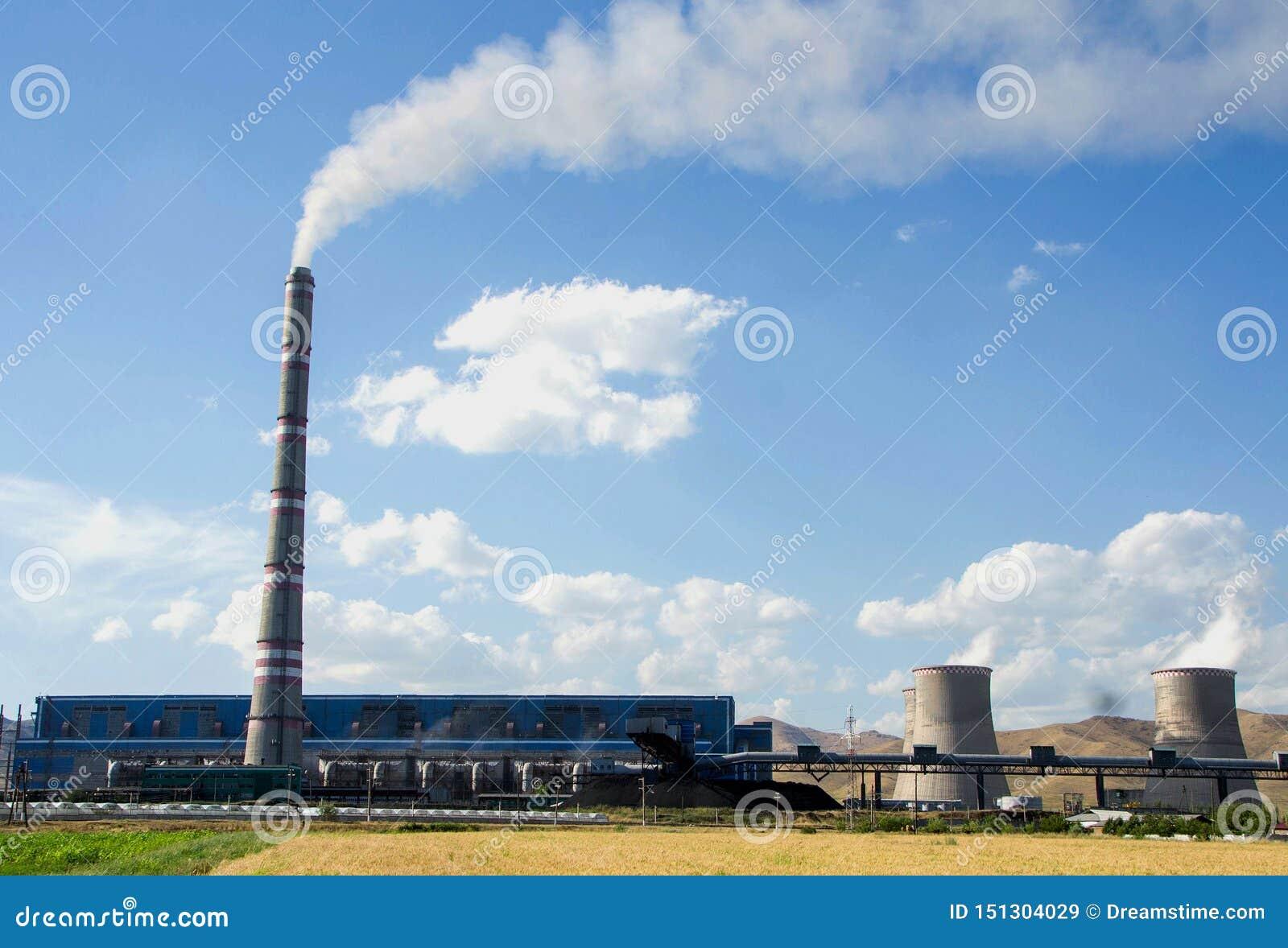 Grote fabriek, thermo-elektrische krachtcentrale, het Globale het Verwarmen Rook Toenemen