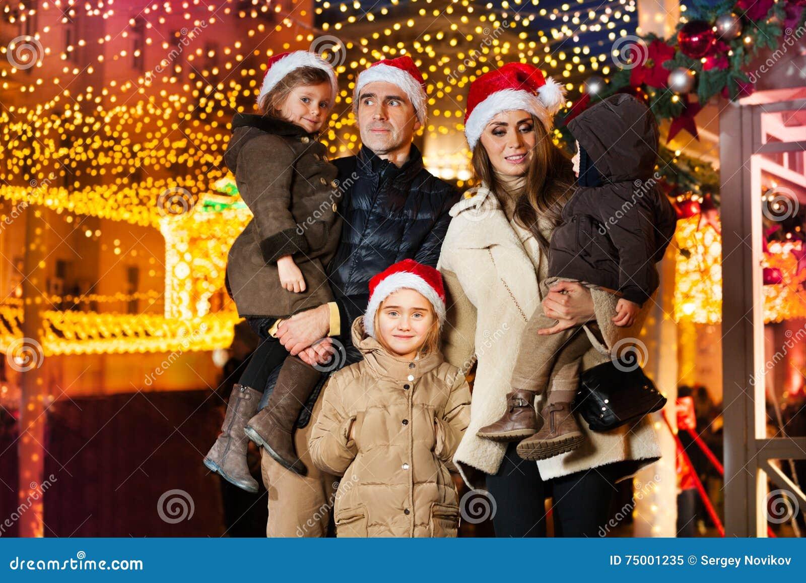 Grote familie het vieren Nieuwjaar en Kerstmis