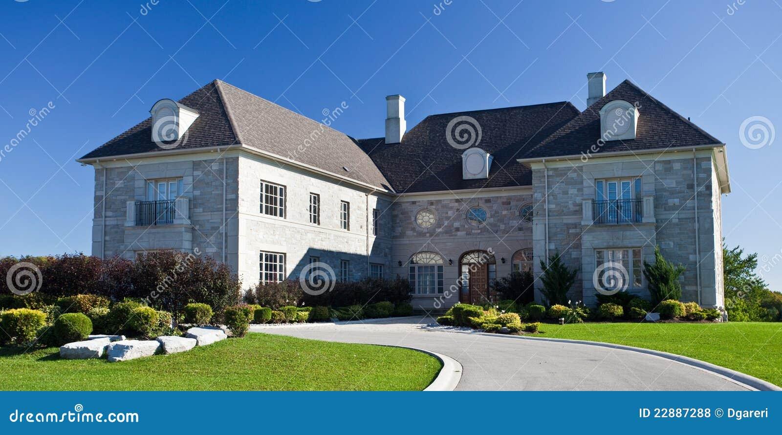 Grote huizen royalty vrije stock foto 39 s afbeelding 22887288 - Foto huizen ...