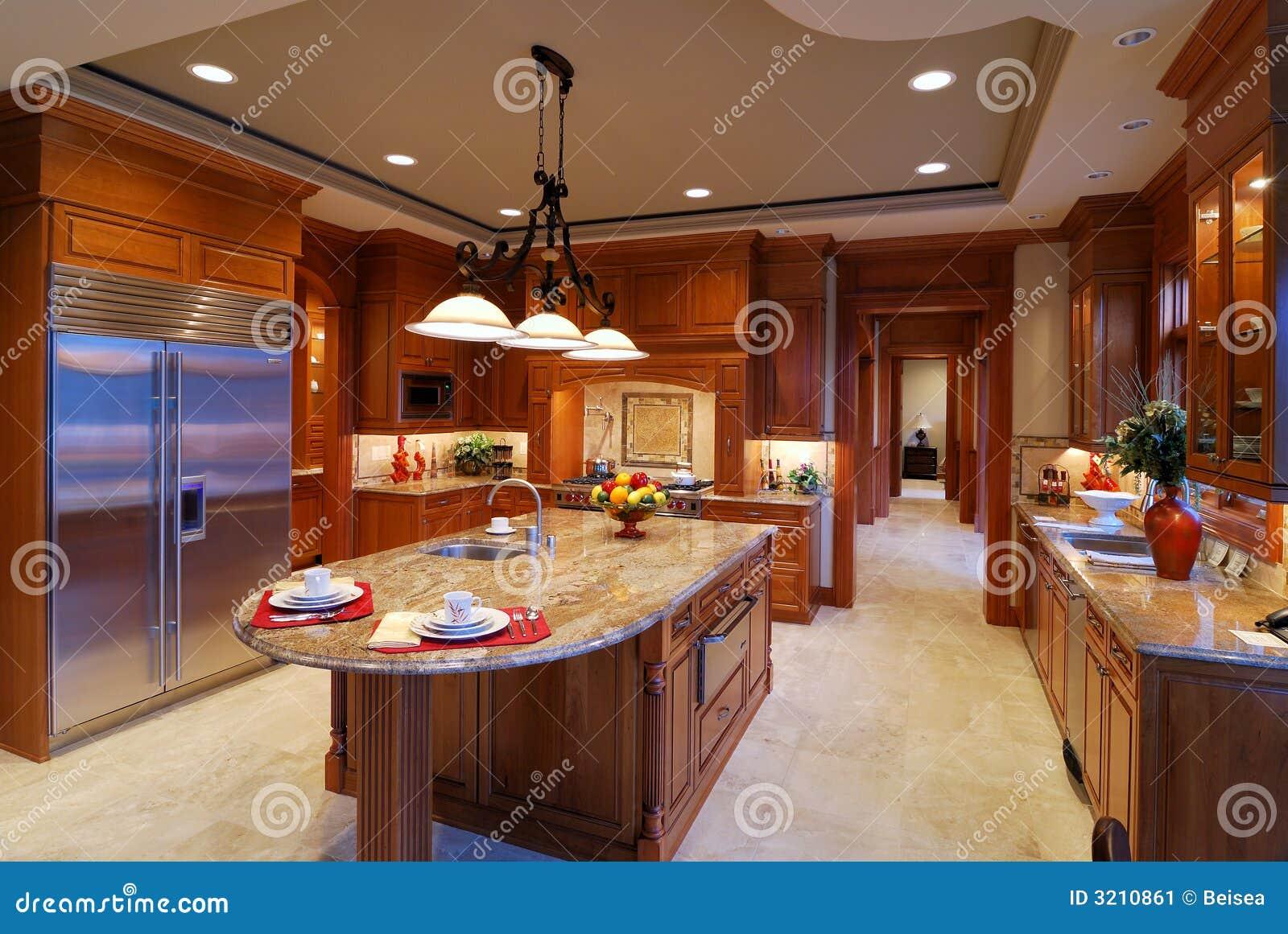 Keuken Grote Open : Grote keuken stock afbeelding afbeelding bestaande uit echt