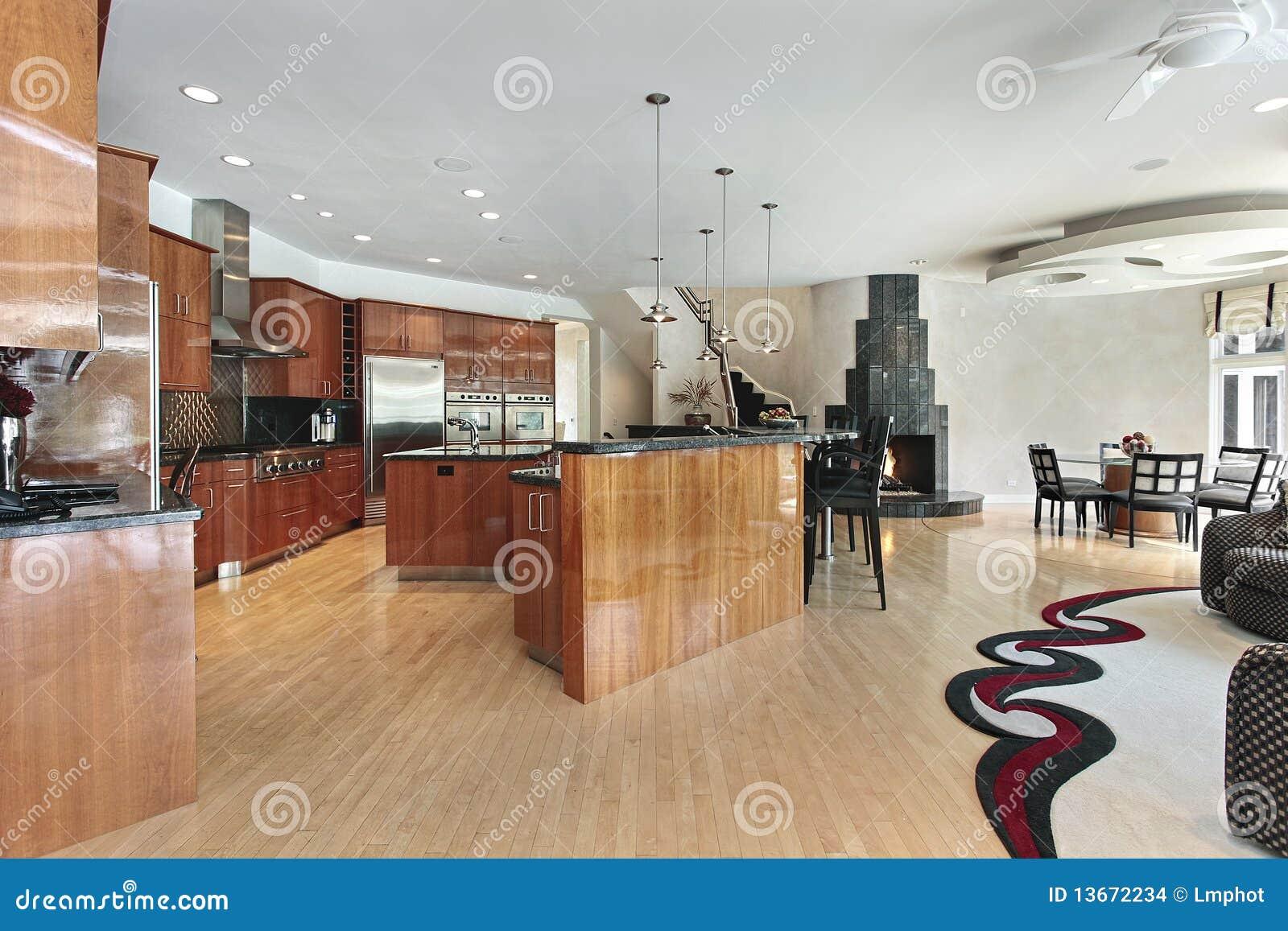 Keuken Grote Open : Grote keuken met zwarte open haard stock foto afbeelding
