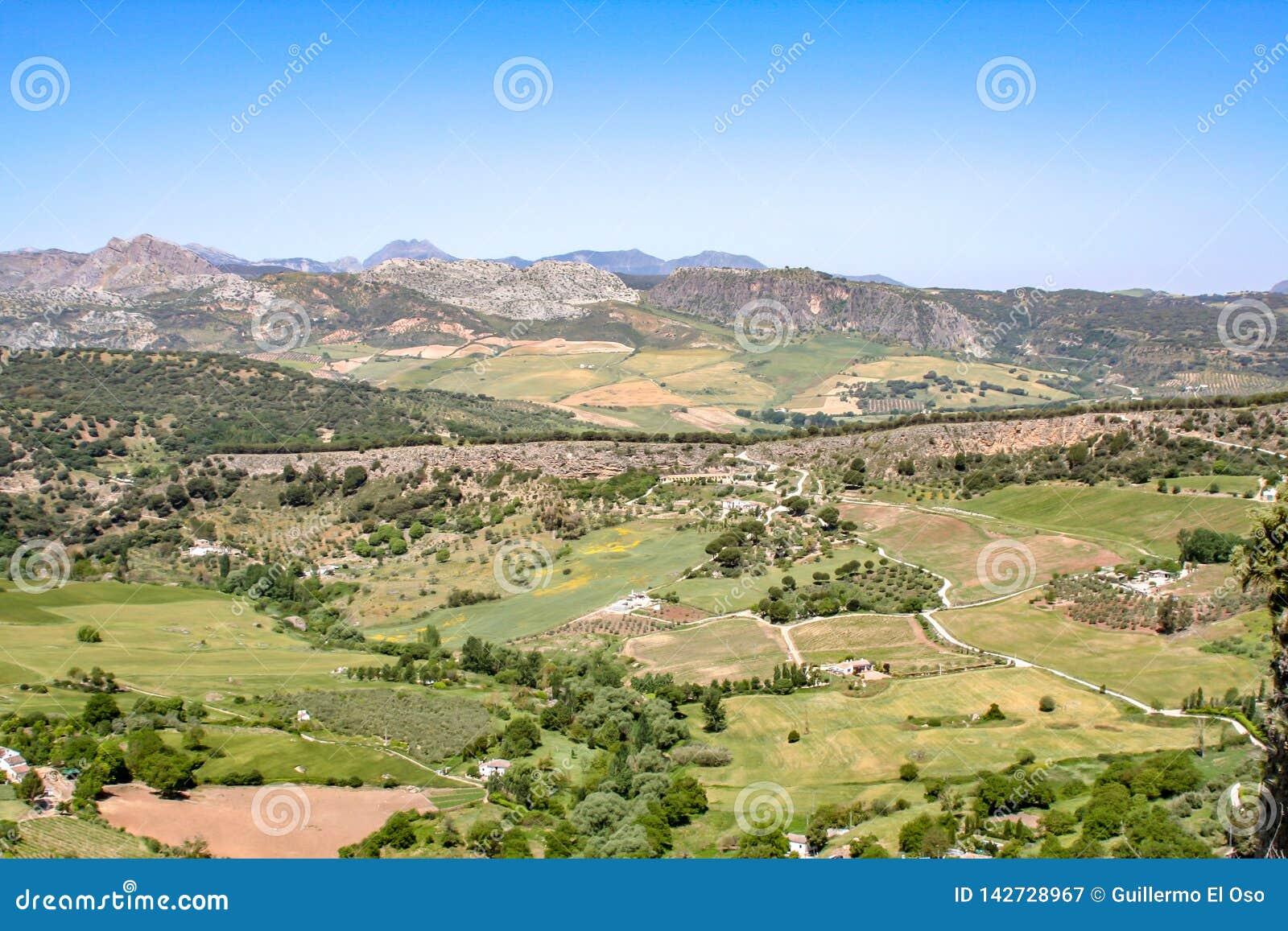 Grote mening over de bergen van Sierra Nevada