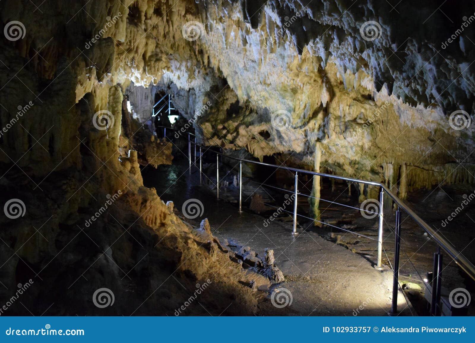 Grotta av Diros, Grekland