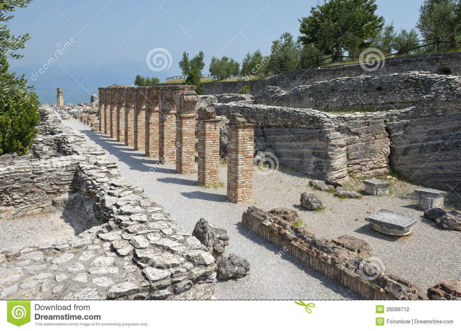 Grotte Di Catullo Roman Remainsat Sirmione