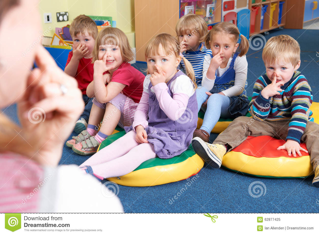 teaching and entertaining pre school children Don't concentrate so much on making the bible stories entertaining that the children miss the point of the stories b don't expect preschool children to sit quietly for long periods of time methods for teaching preschoolers (3-5) 2 3.