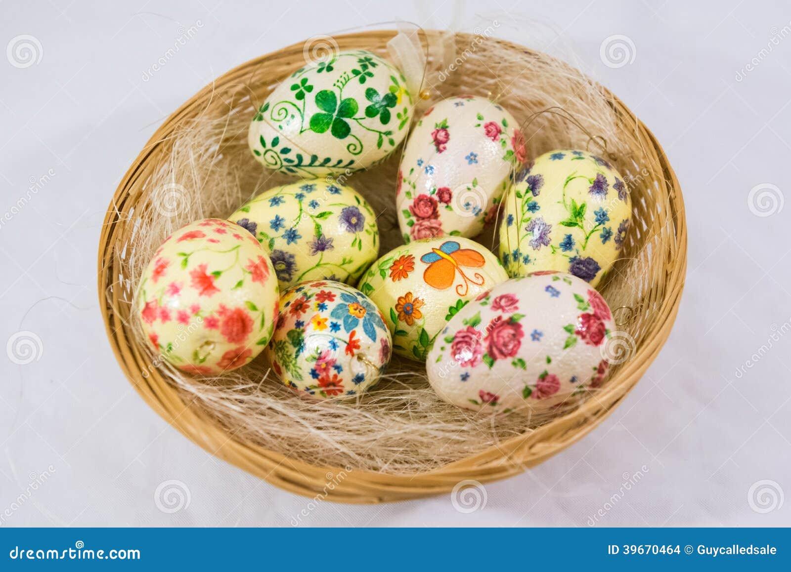 Decoupage Easter eggs: decoration technique 62