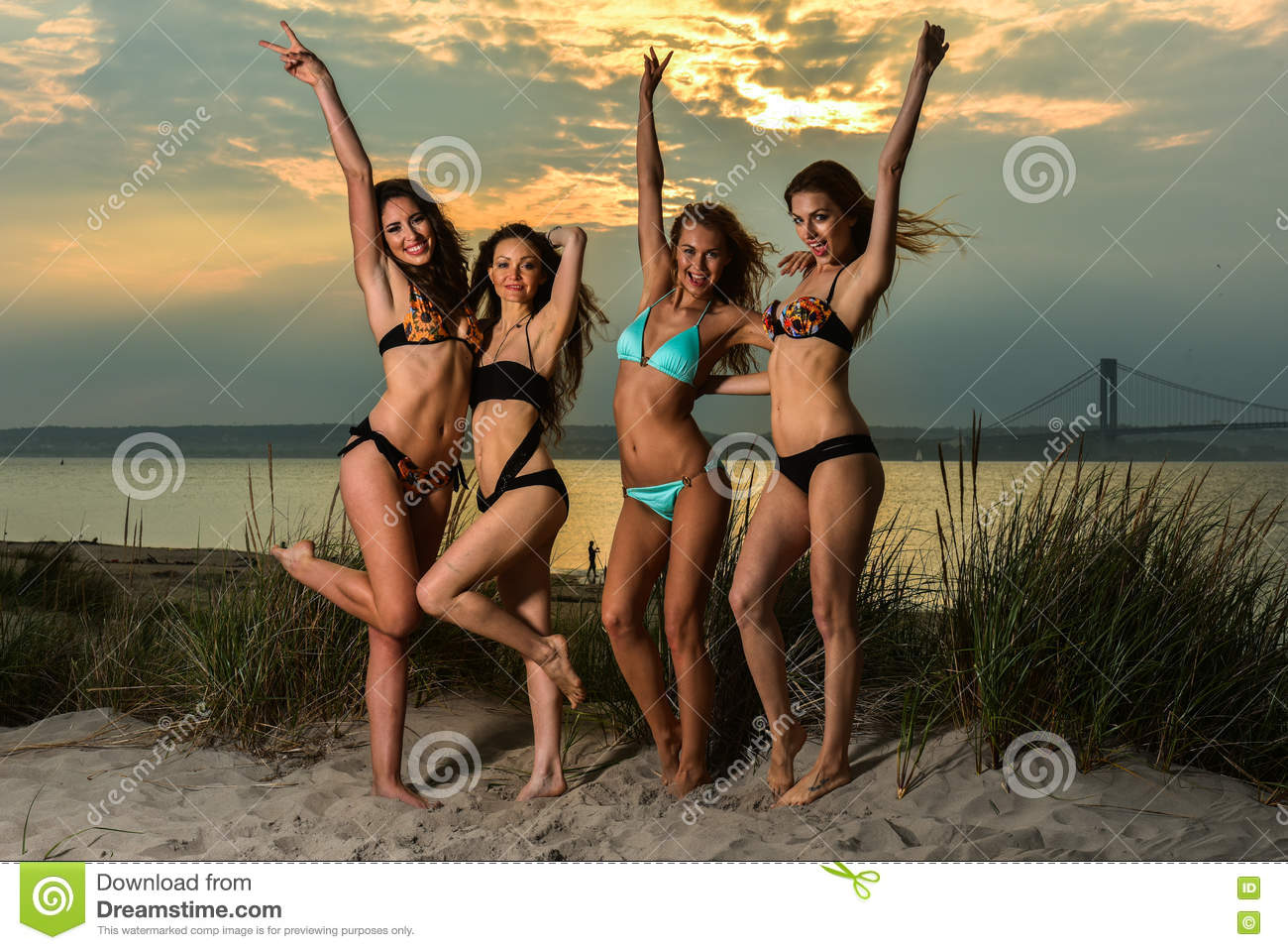 sunset beach girls Sunset beach girl wallpaper #17440 free online wallpapers for you pc wallpaper, computer, gadget, mobile phone, screensaver and more 1440x900, added on , tagged : #girl #sunset beach #wallpaper at wallpaperlepi.