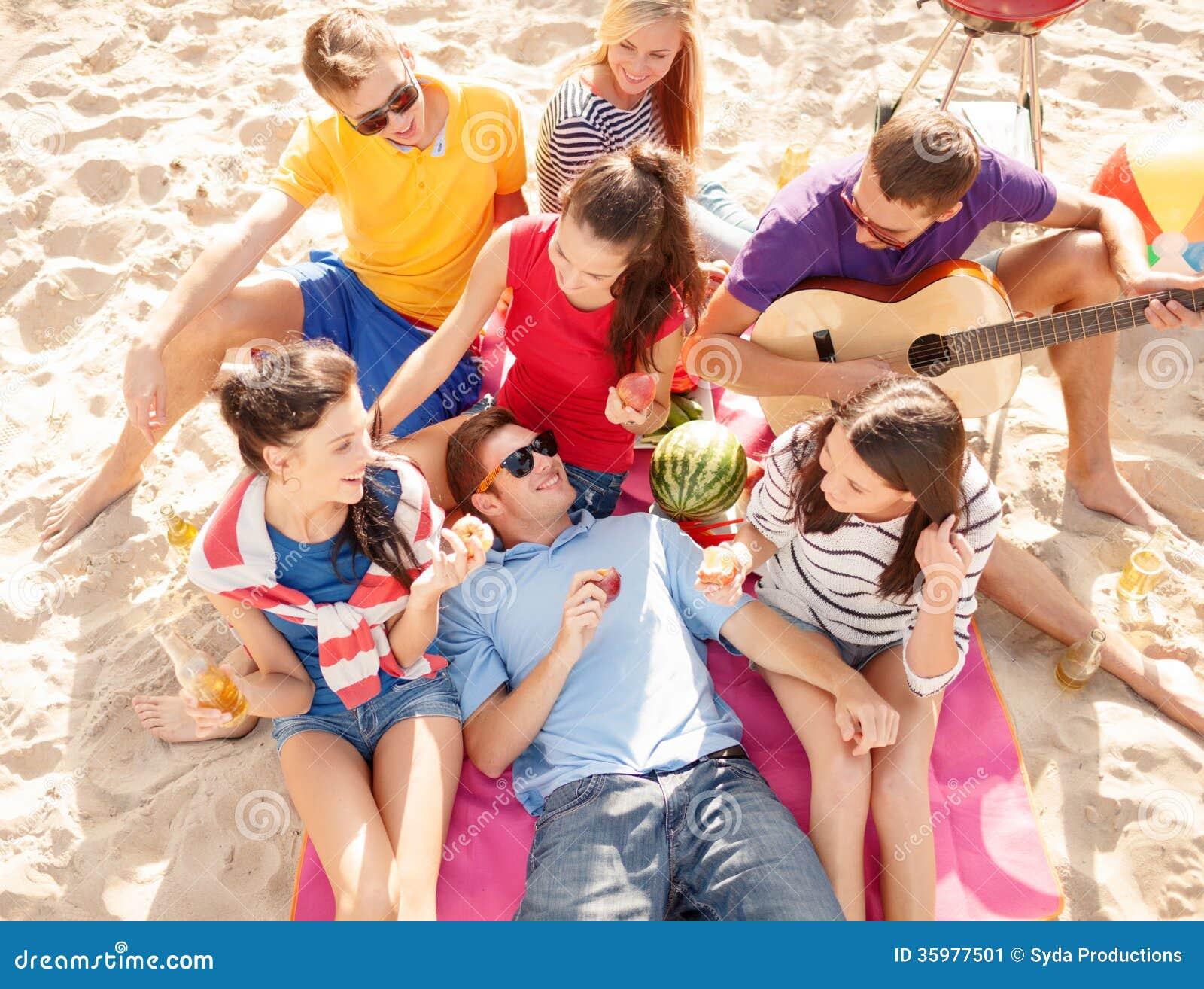 Студенты на пикниках 25 фотография