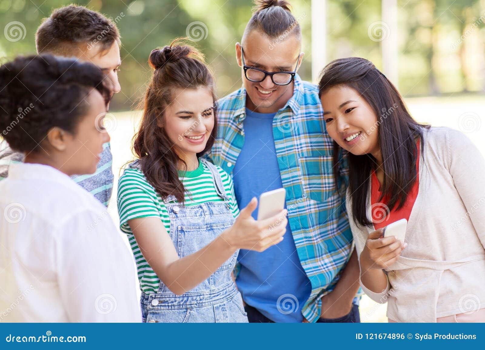 JEANINE: International friends online