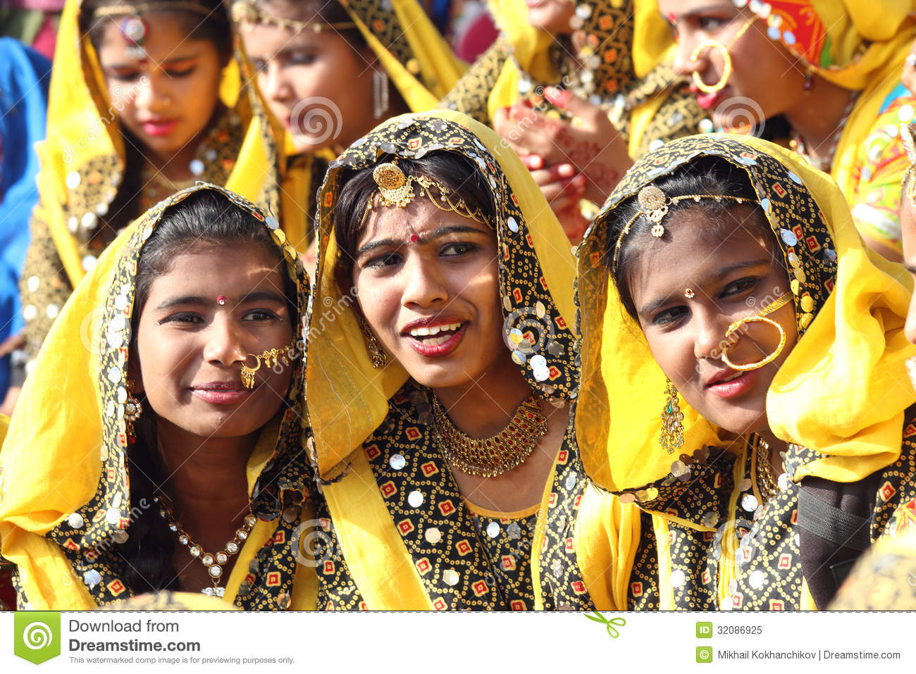 indian hindu single women The nearly 73 million single women in india today have a social media presence that sounds cool but real life is a little more complicated.