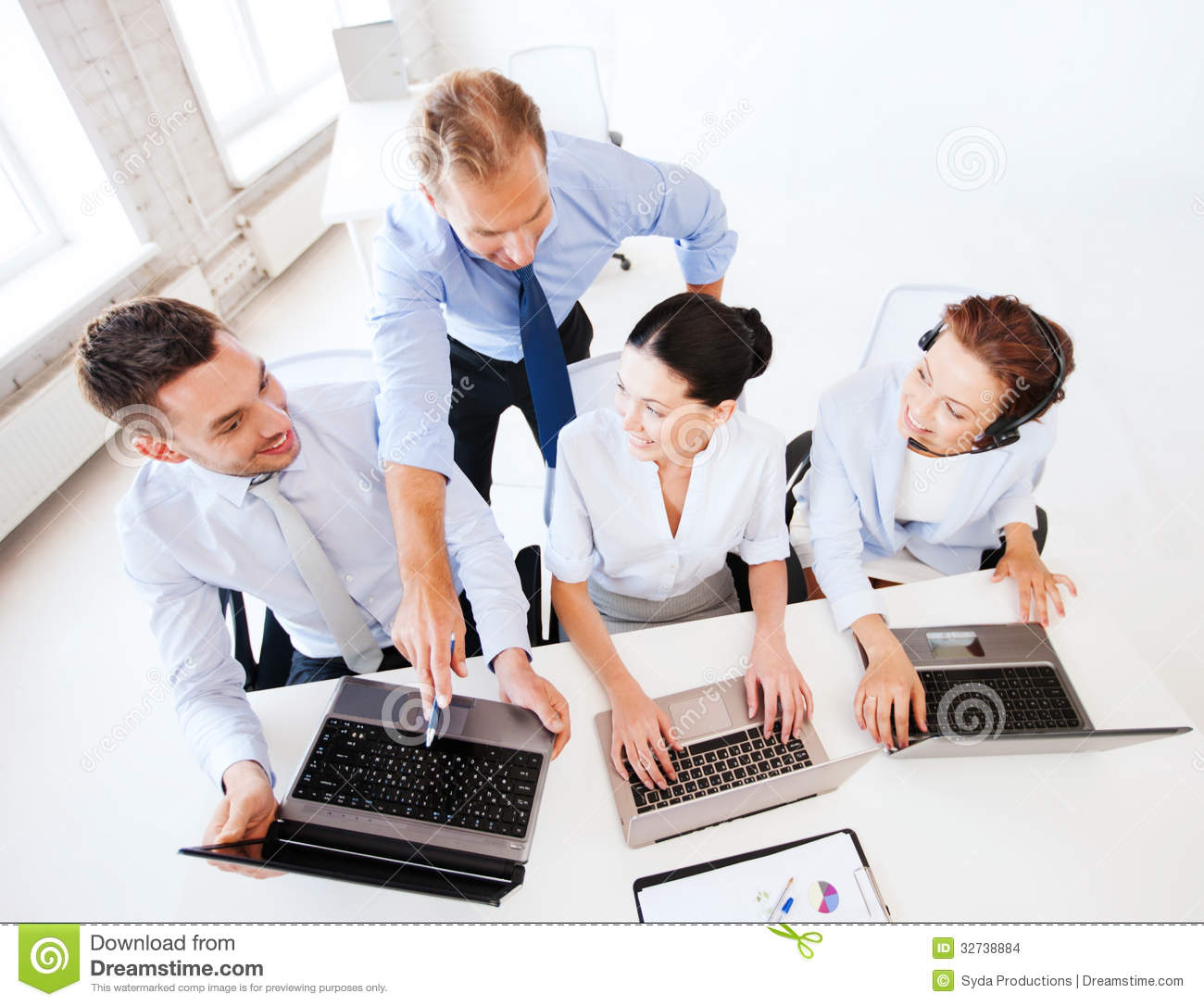 how to run a working group