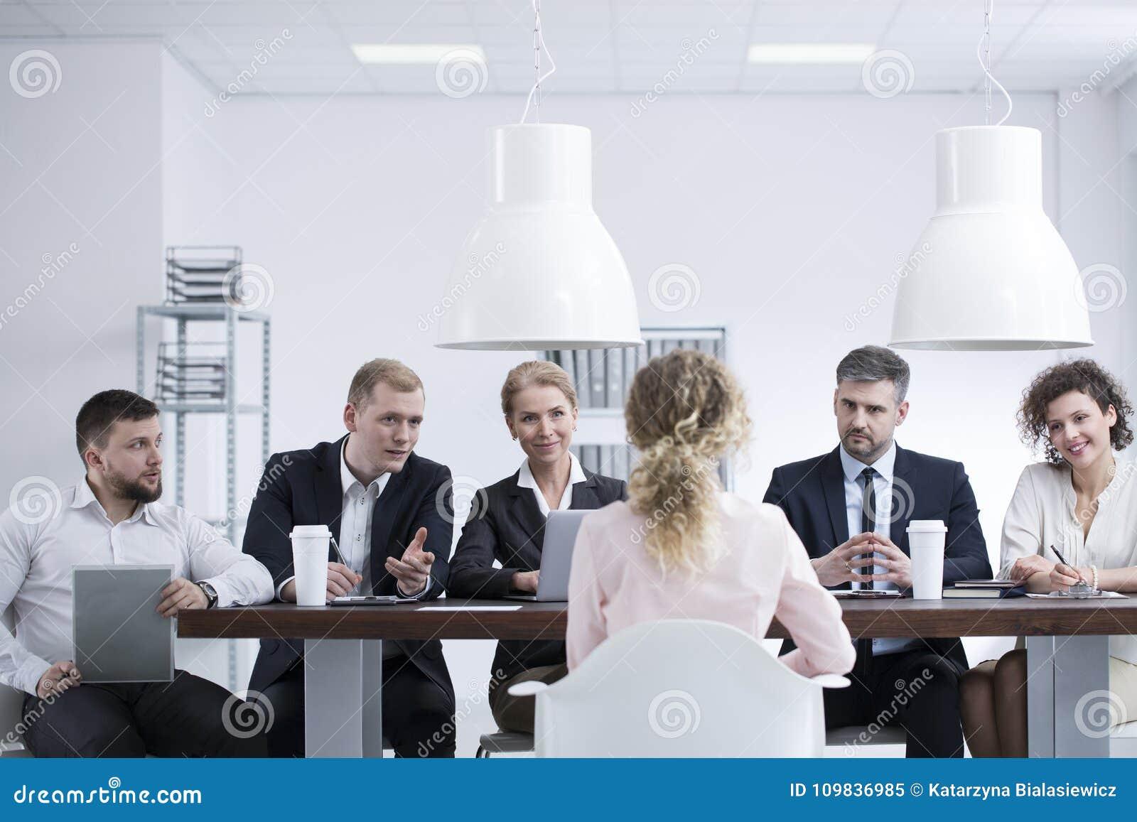 Women seeking women download