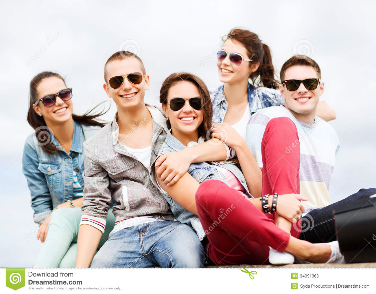 Group of teenagers hanging out royalty free stock images for Hanging groups of pictures