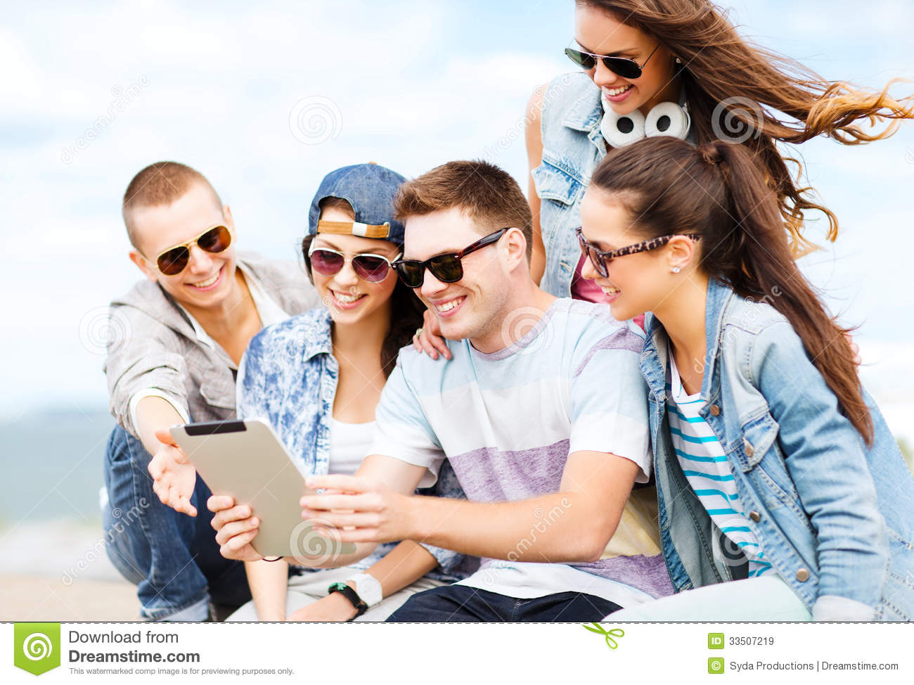 teenagers and technology A generation who have spent their entire adolescence with smartphones are  feeling the effects, including negative impacts on their mental.