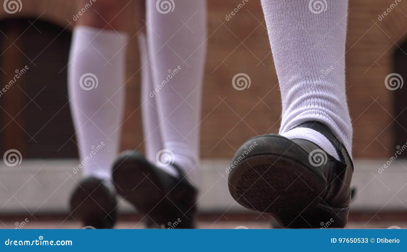 Pics teen girl feet Standing Tall