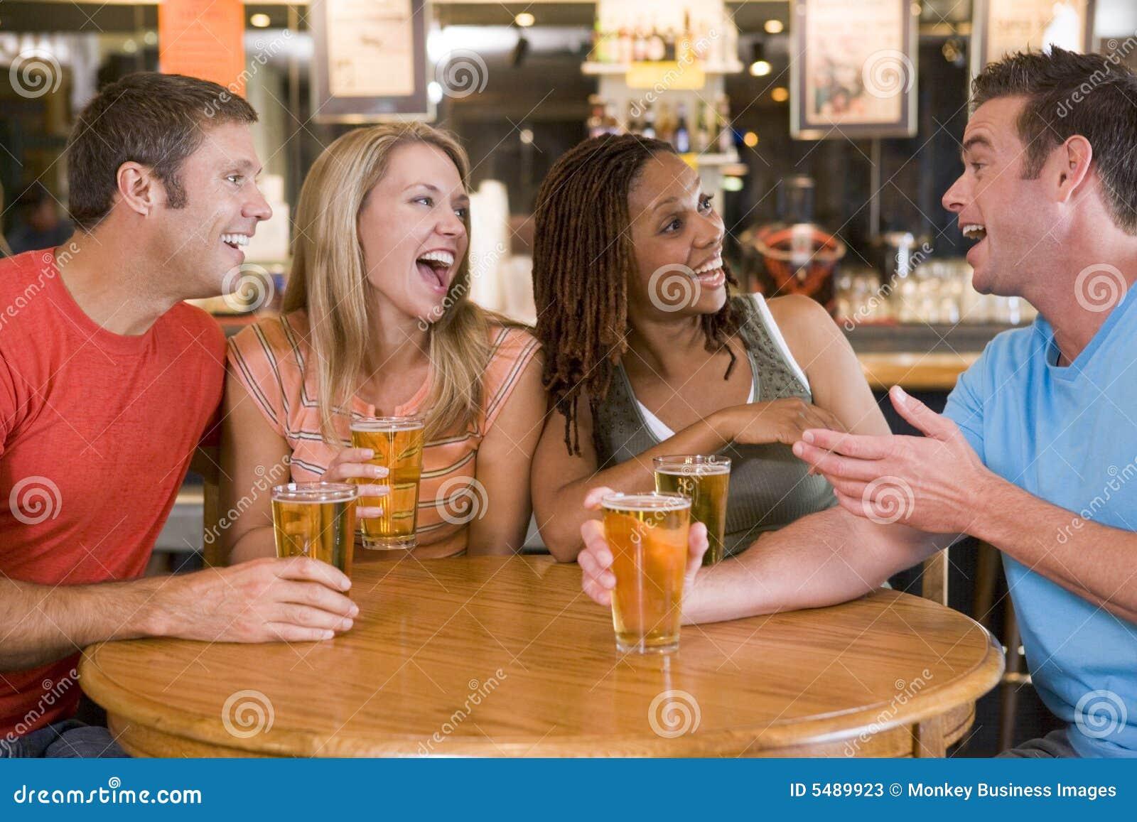 Снял в баре онлайн 8 фотография