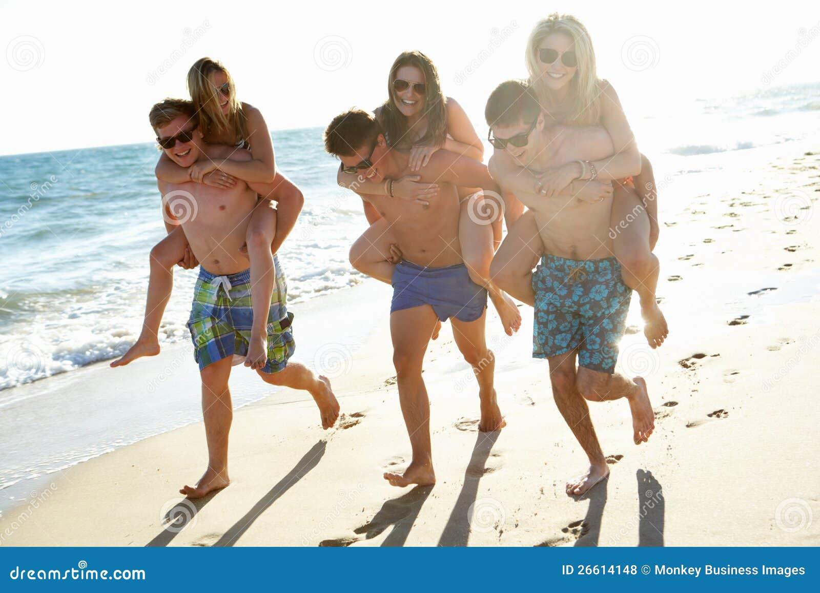 Une amie de vacance - 3 2