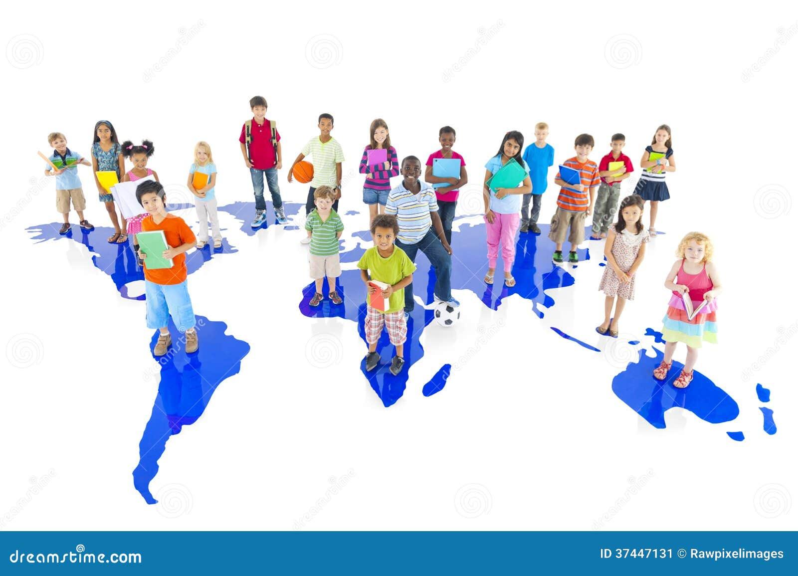 groupe d 39 enfants divers avec la carte du monde image stock image du enfant football 37447131. Black Bedroom Furniture Sets. Home Design Ideas