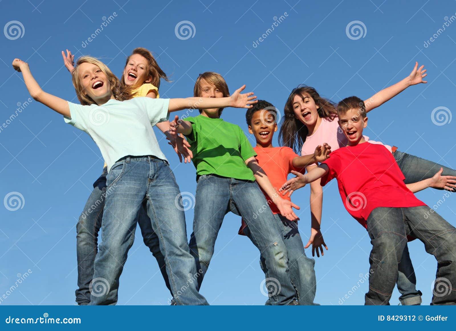 Groupe d enfants divers de gosses