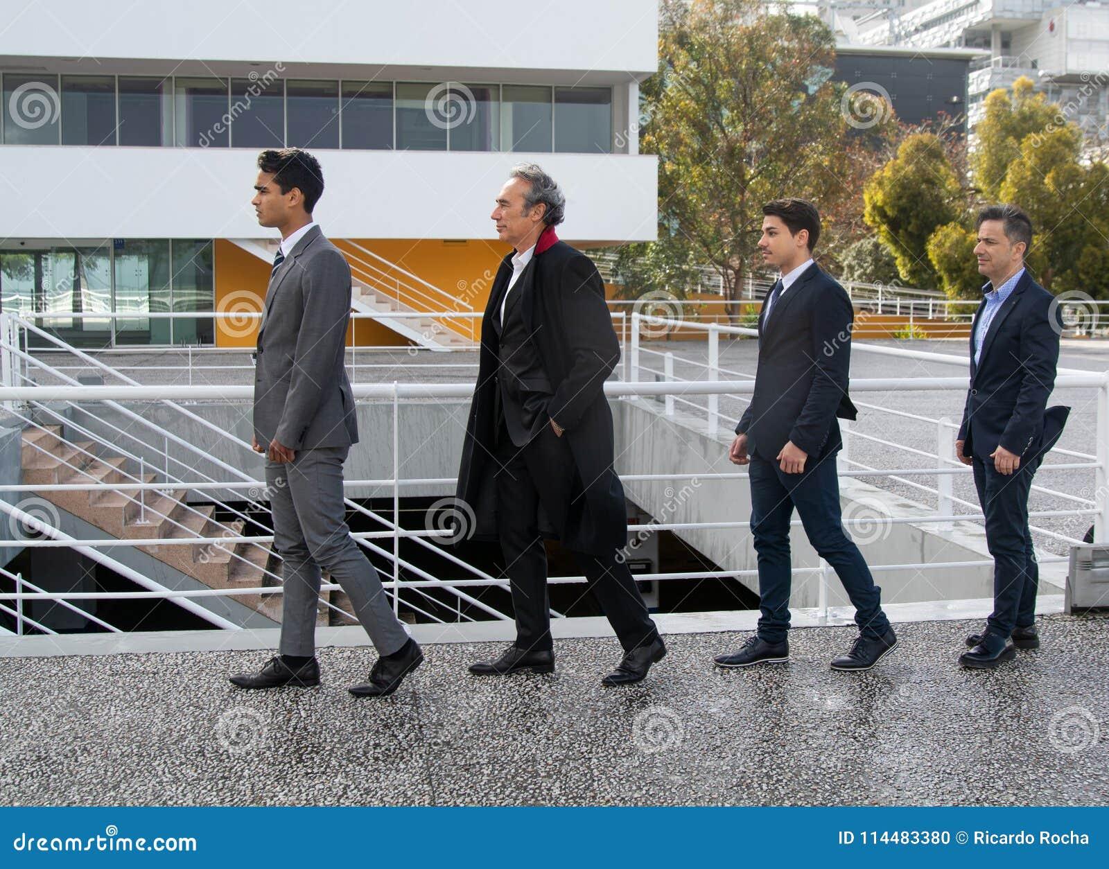 Groupe d homme d affaires