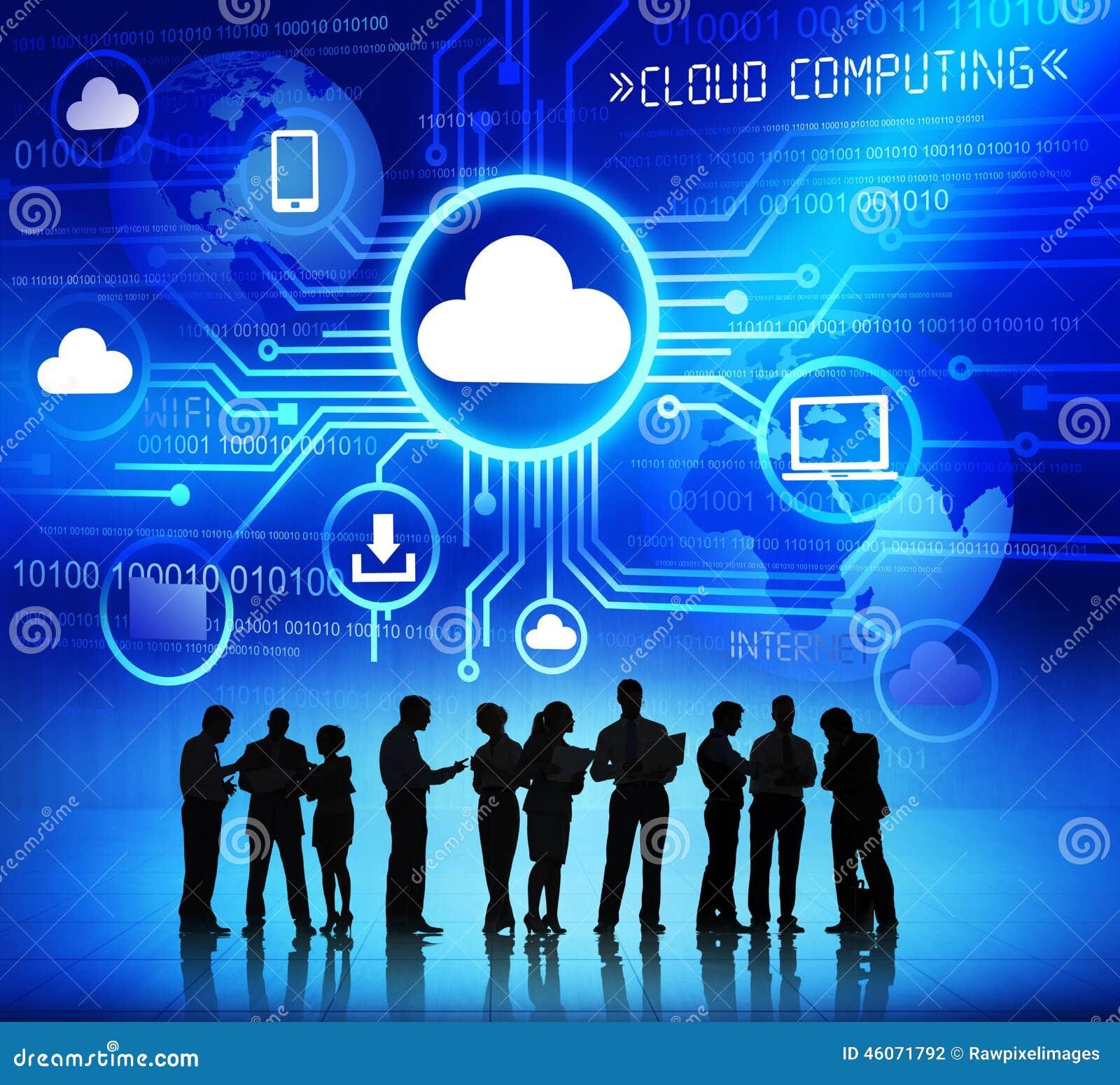 Groupe de personnes d entreprise discutant au sujet du calcul de nuage