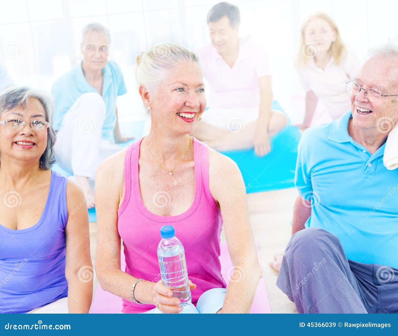 Groupe de personnes en bonne santé dans la forme physique