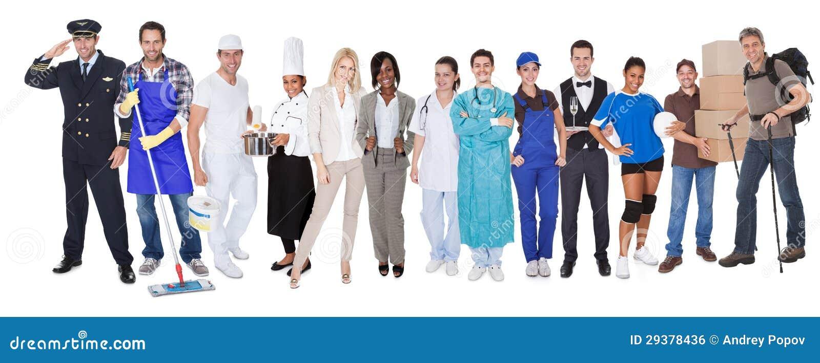 Groupe de personnes représentant des professions diverses